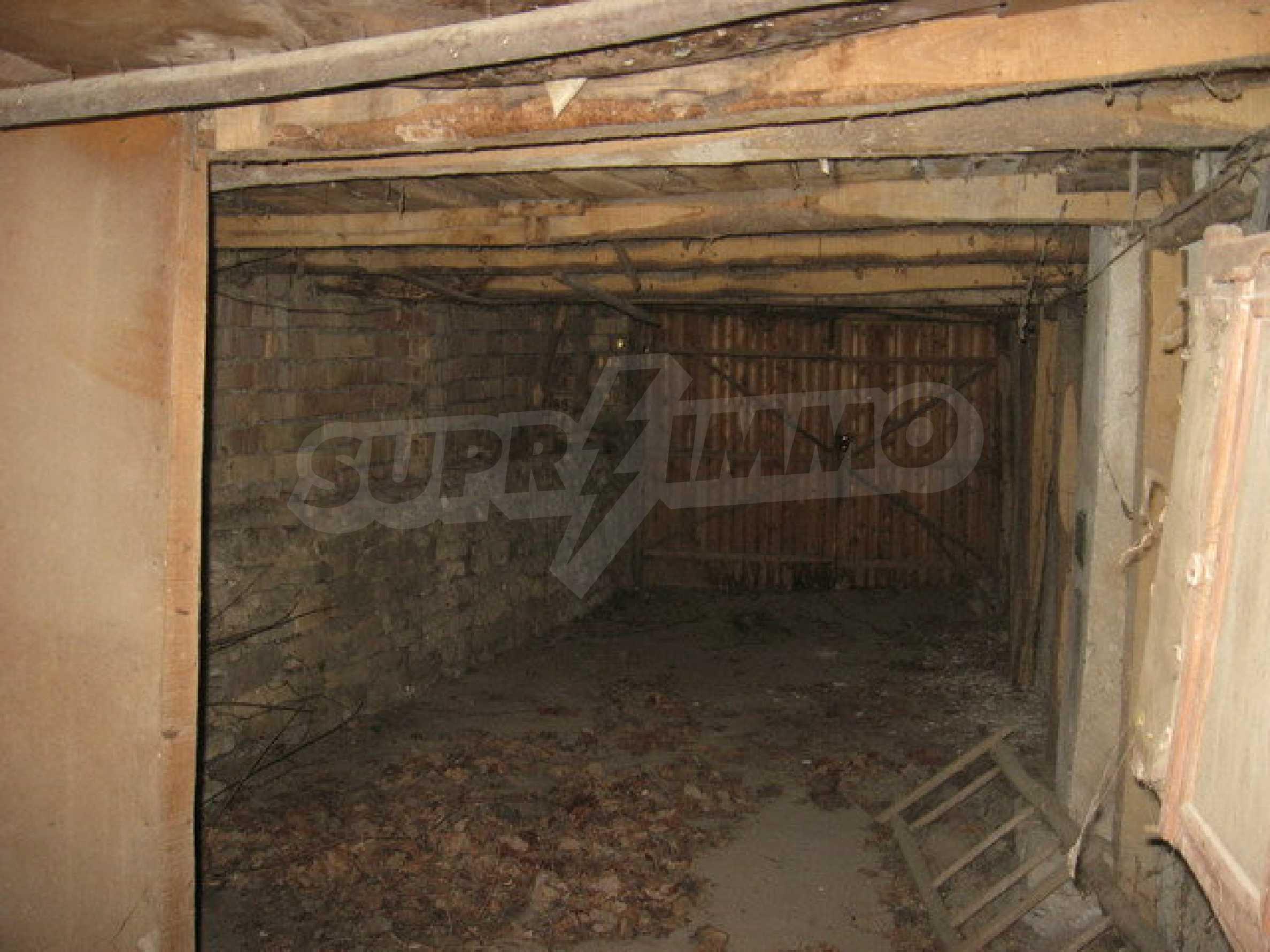 Тухлена къща в село близо до Велико Търново 21