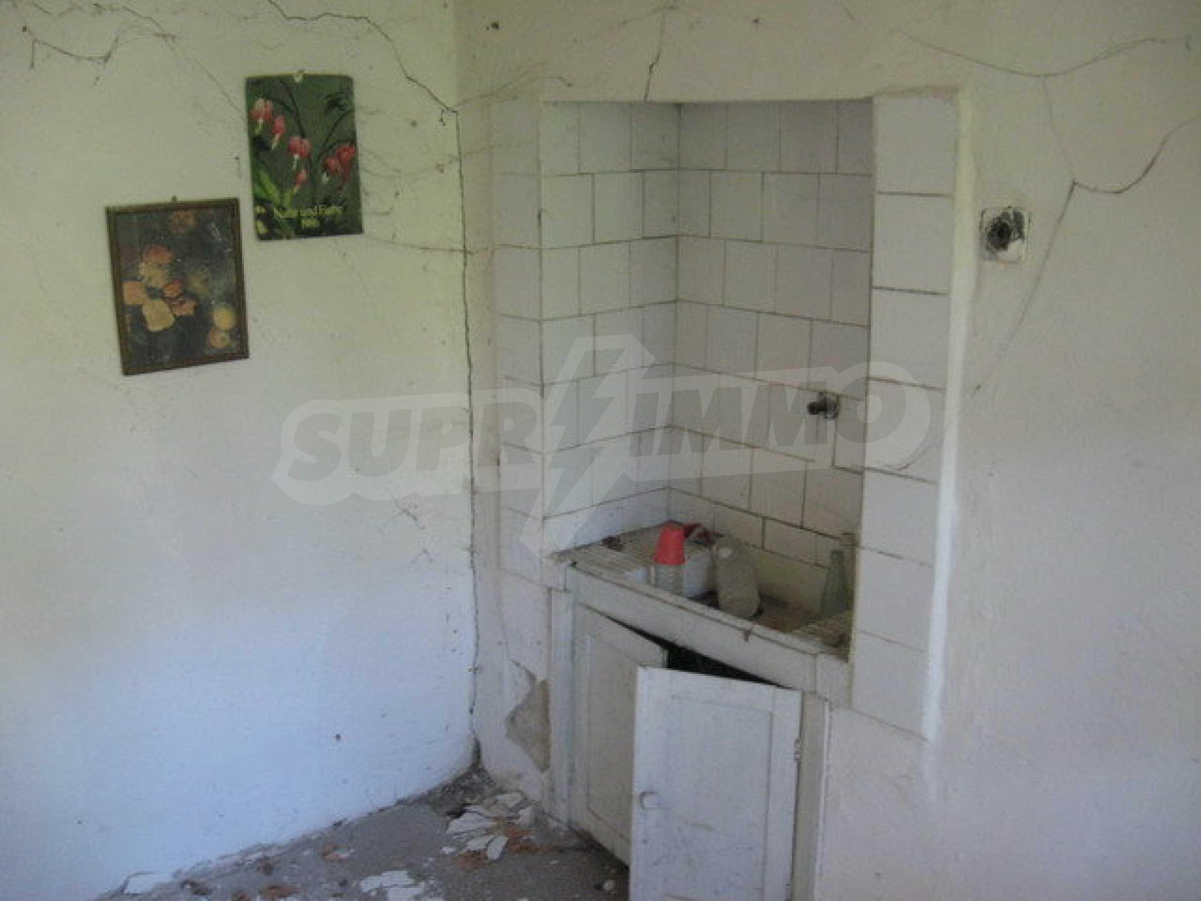 Тухлена къща в село близо до Велико Търново 23