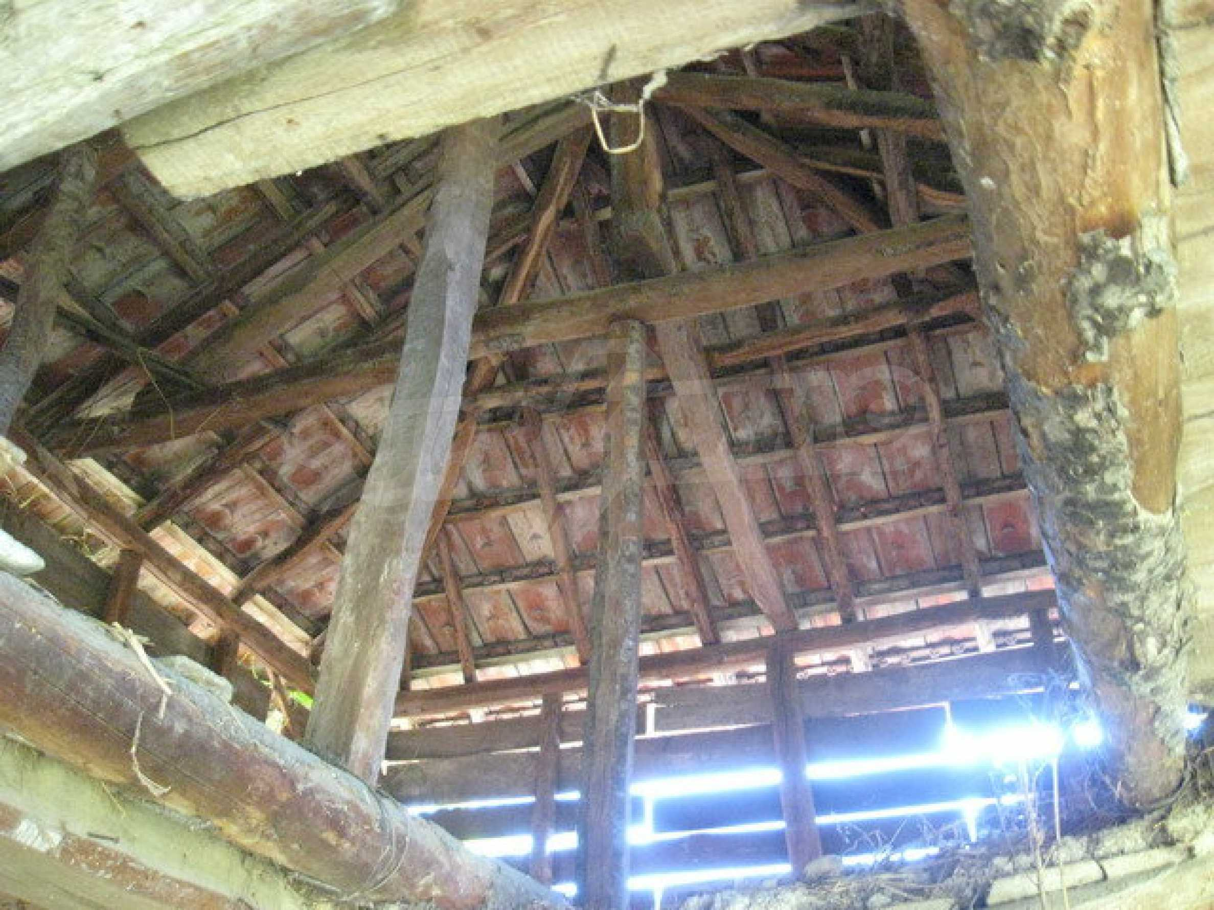 Кирпичный дом в деревне недалеко от Велико Тырново 27