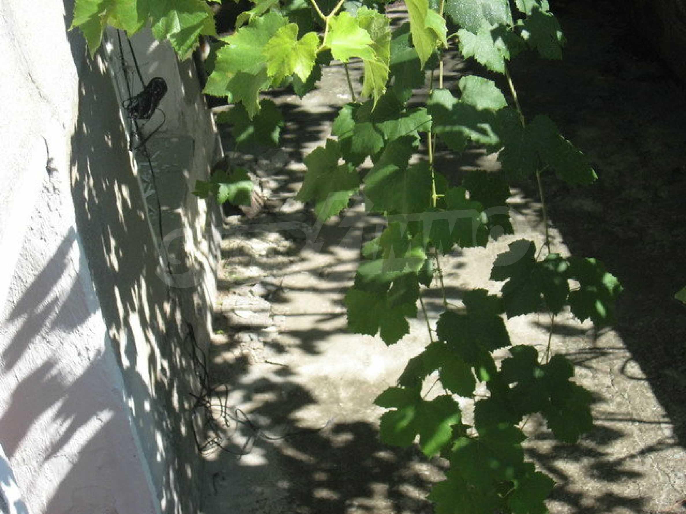 Тухлена къща в село близо до Велико Търново 30