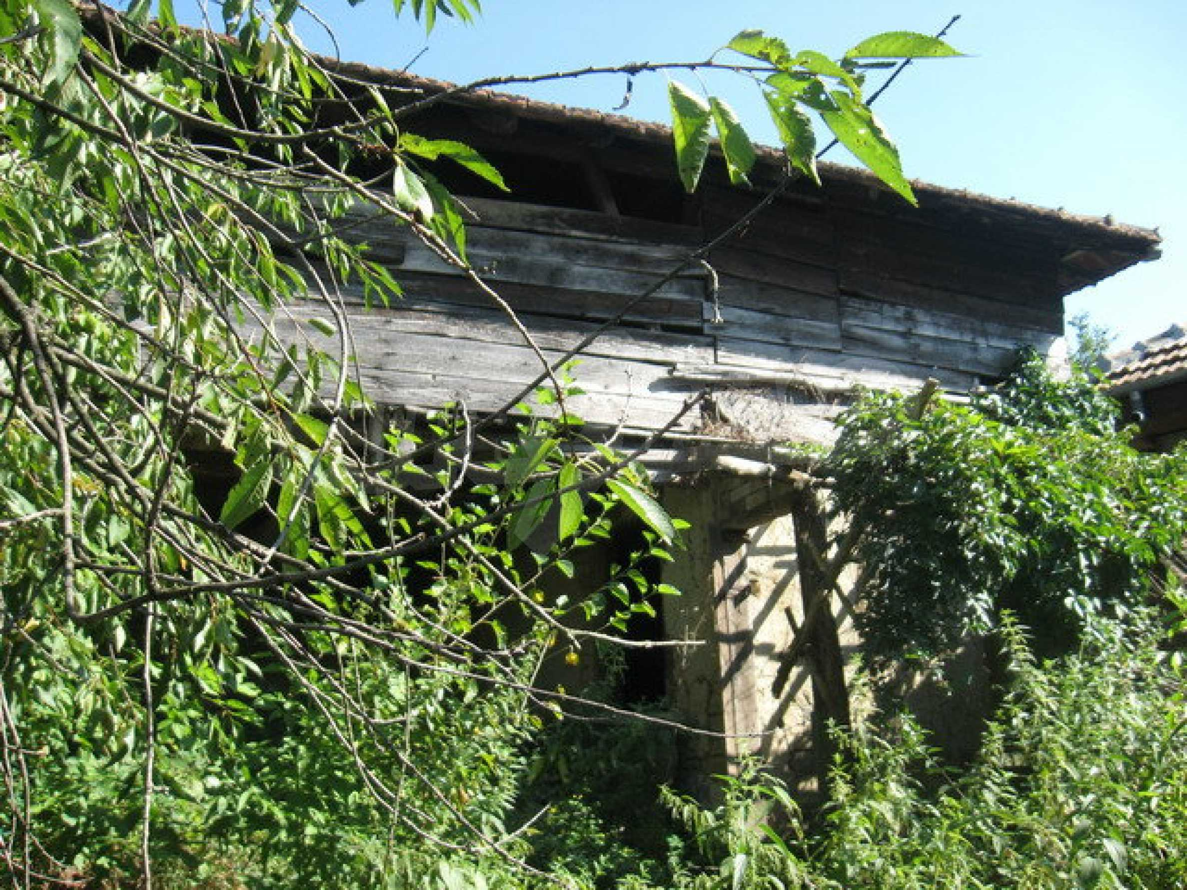 Тухлена къща в село близо до Велико Търново 32
