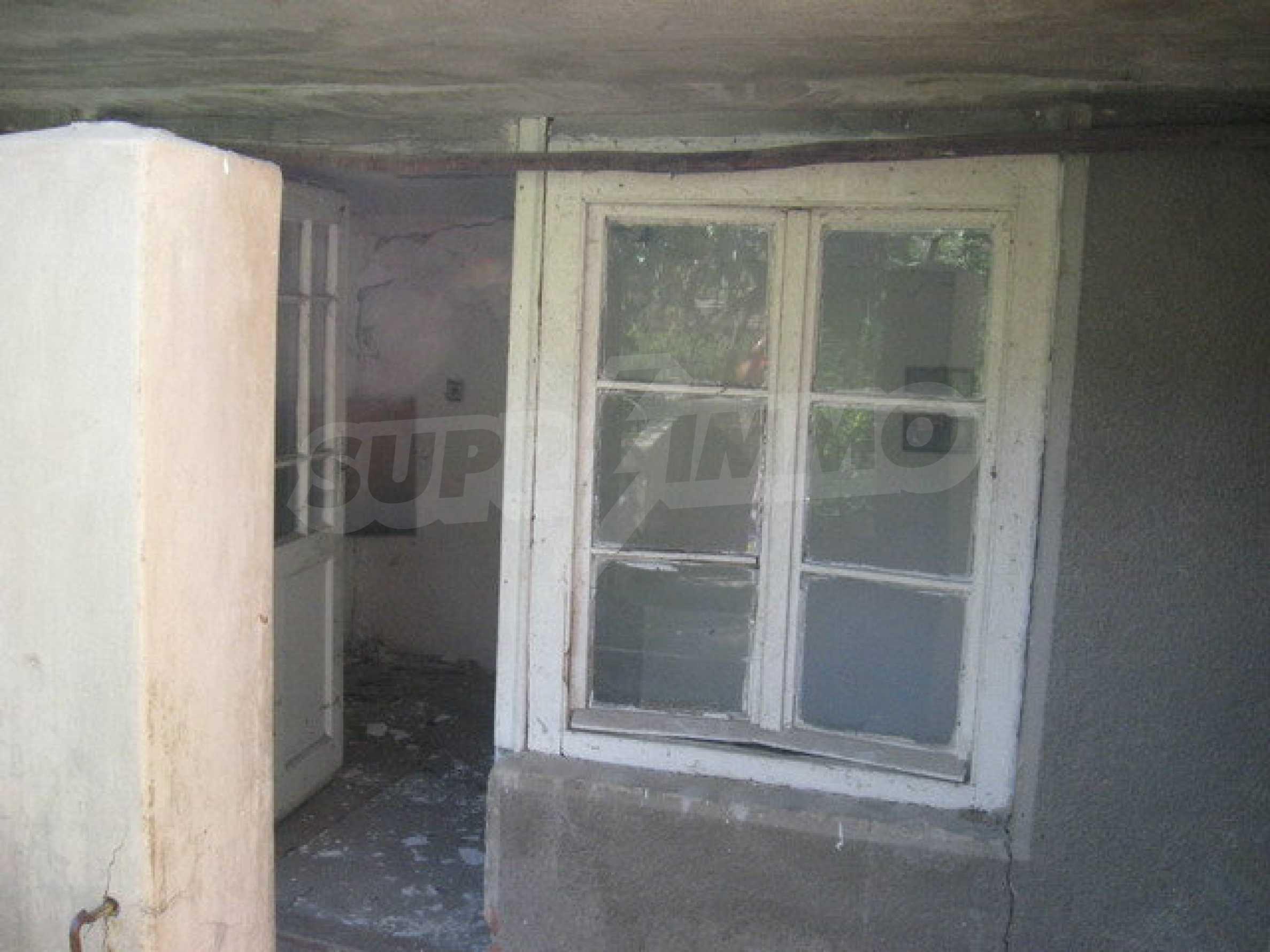 Тухлена къща в село близо до Велико Търново 7