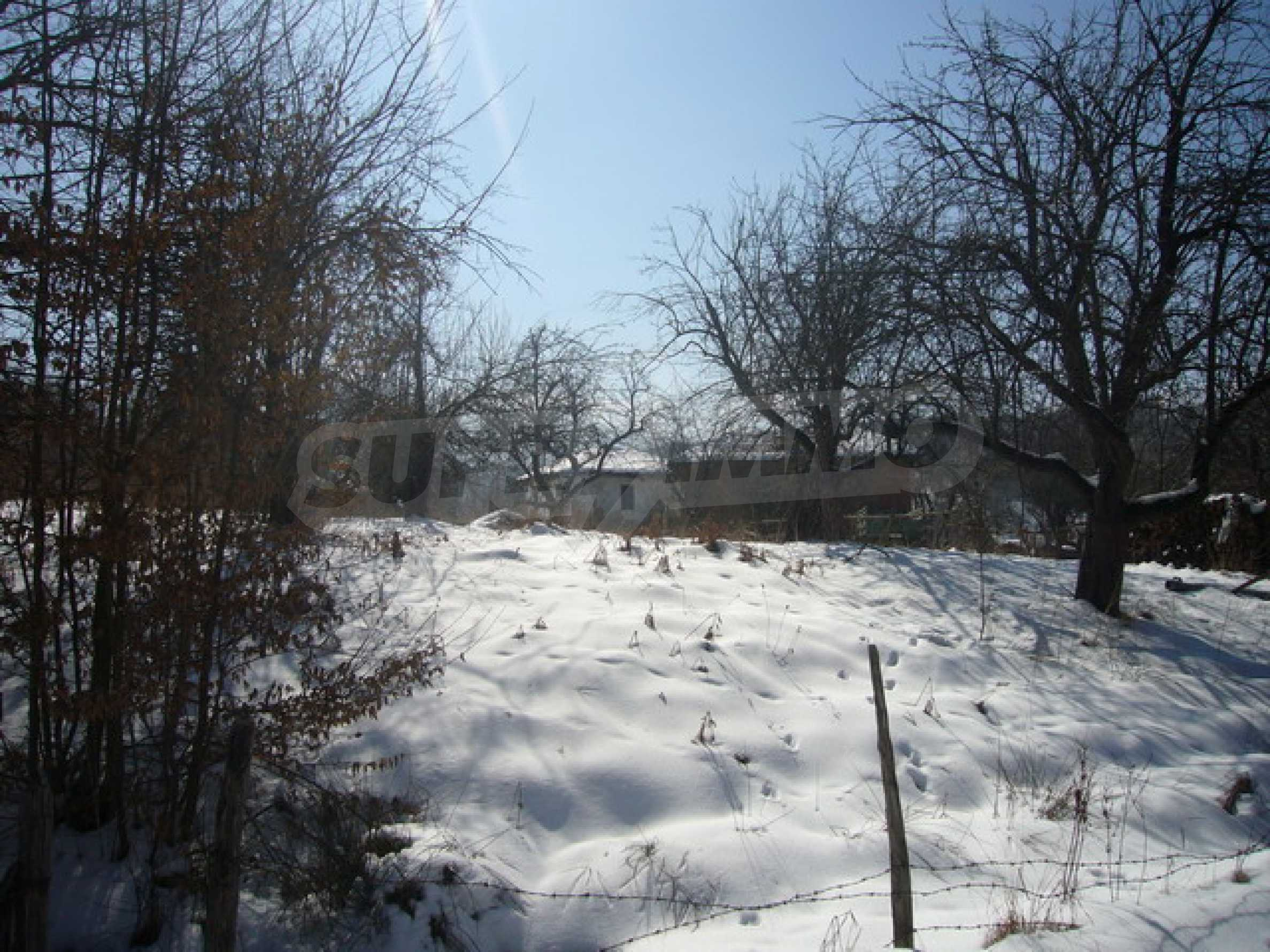 1200 sq.m. regulated plot of land in Apriltsi 1