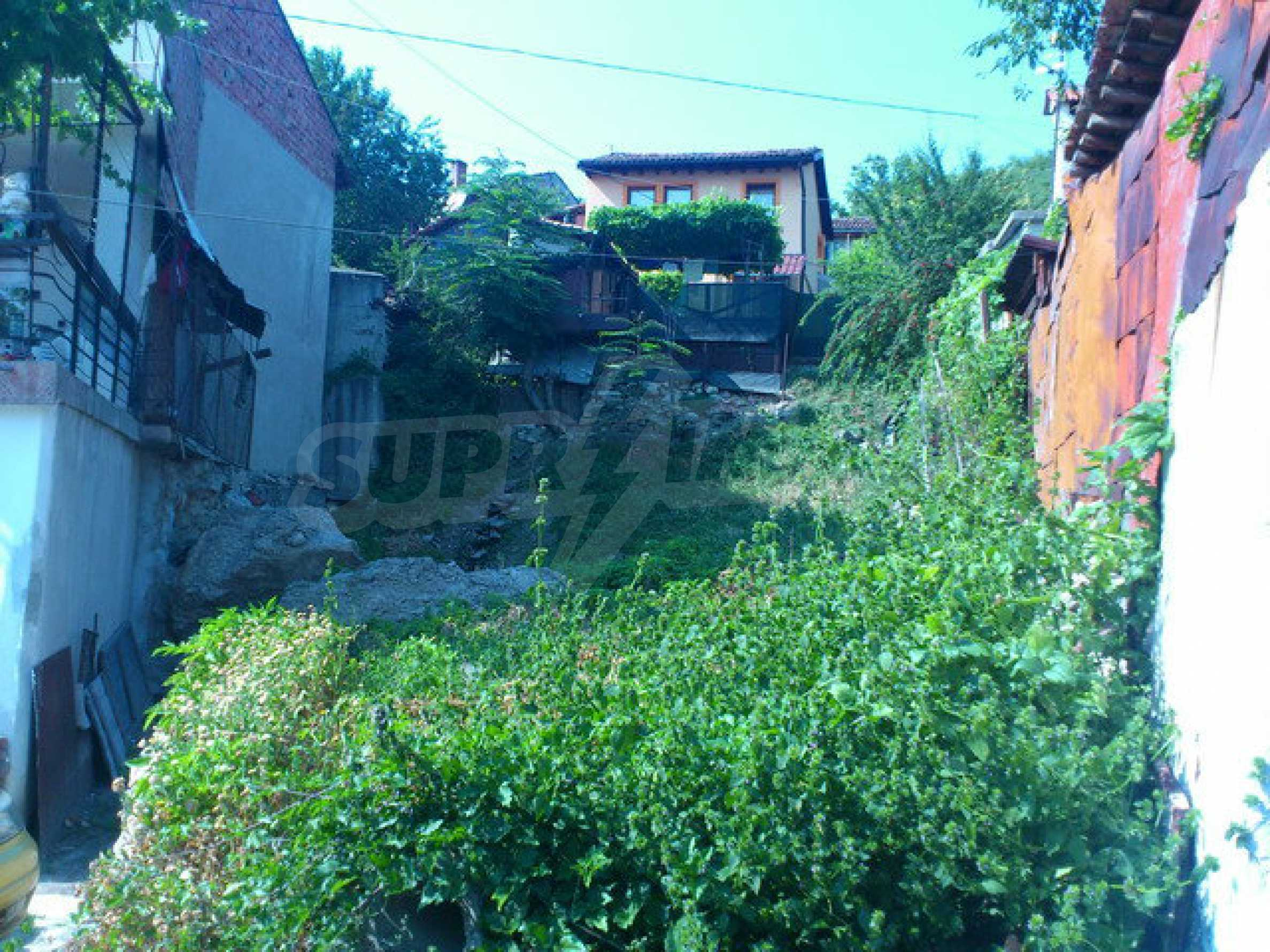 Regulated land in the old part of Veliko Tarnovo