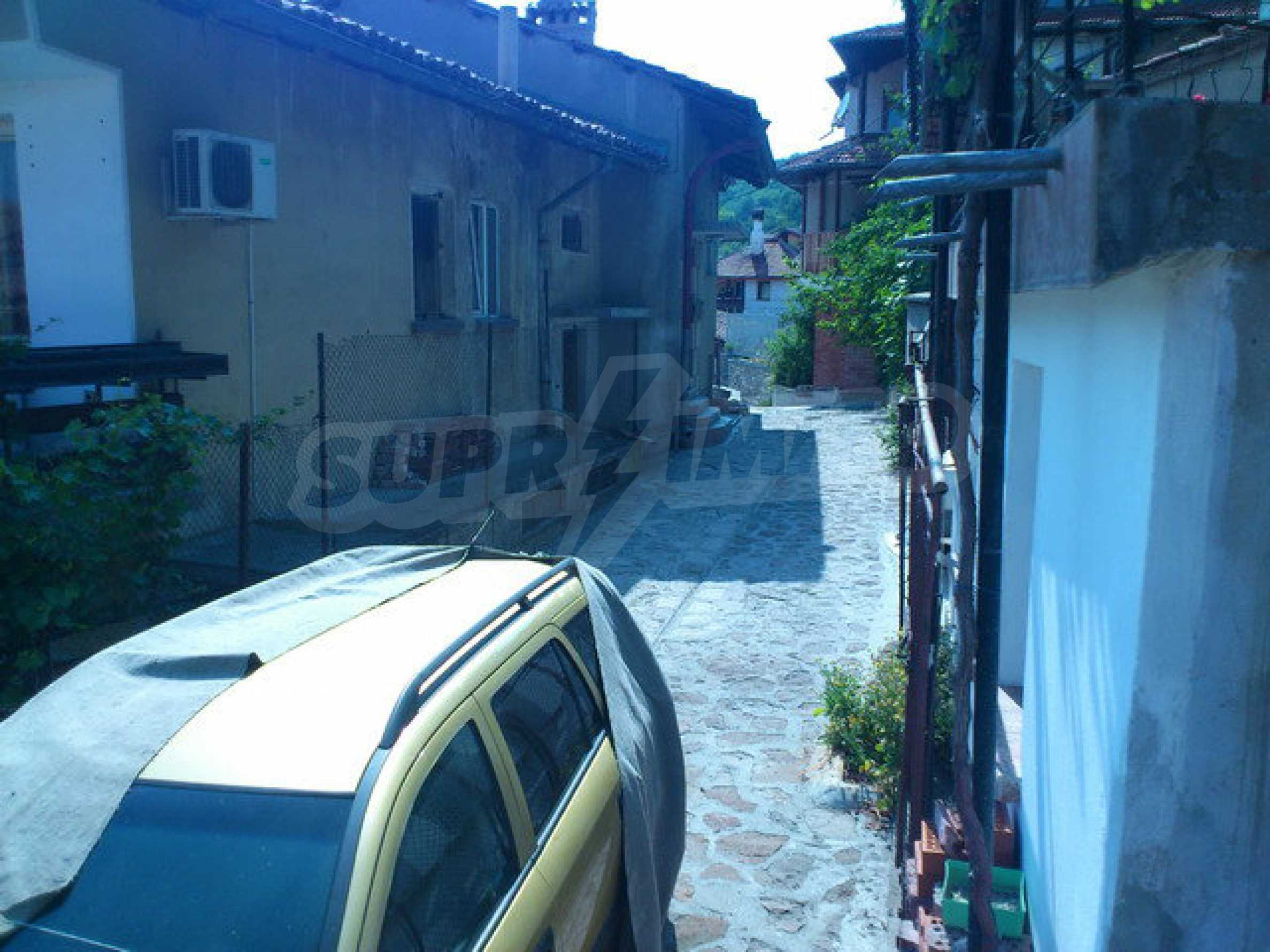 Regulated land in the old part of Veliko Tarnovo 9