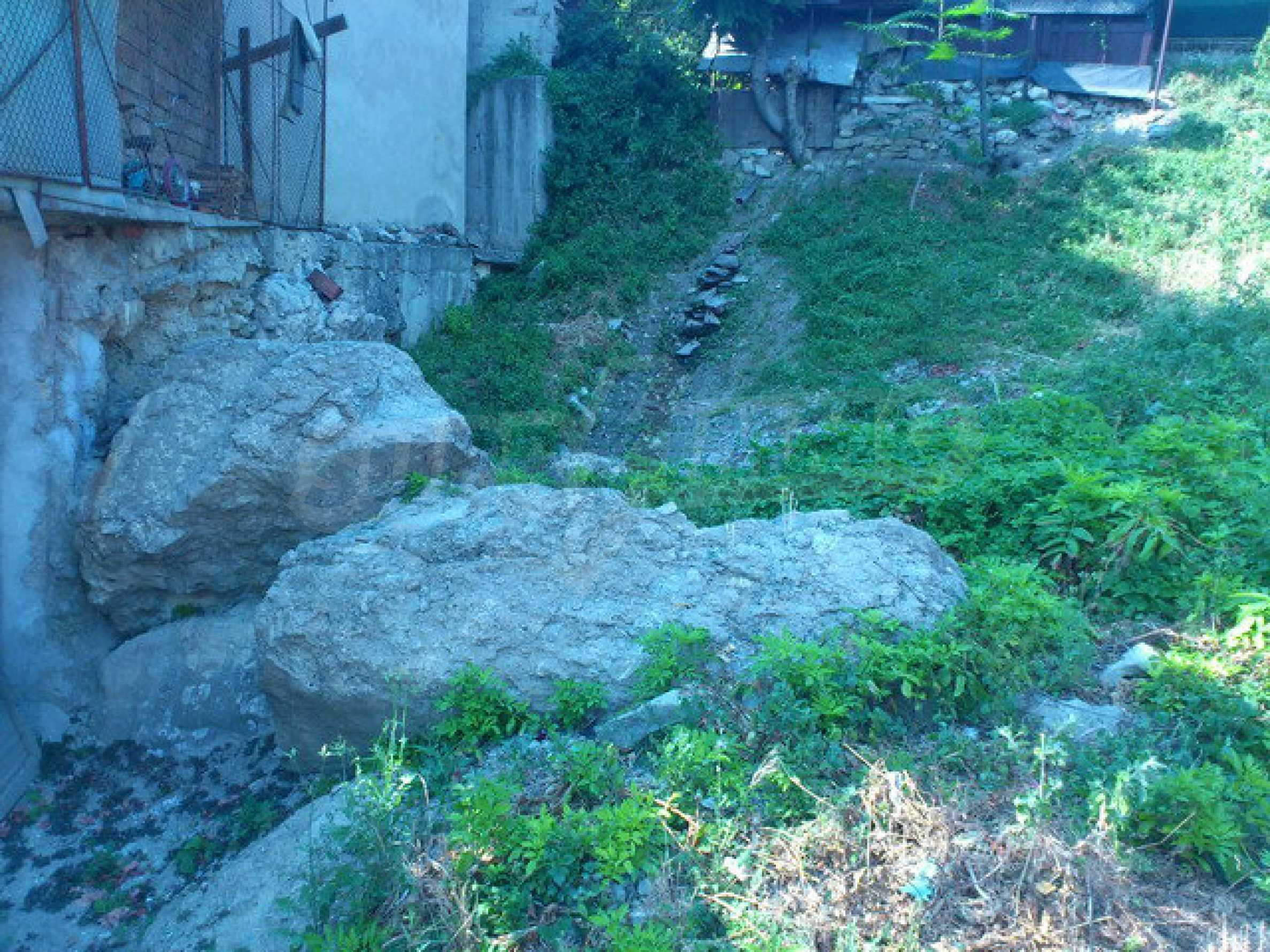 Regulated land in the old part of Veliko Tarnovo 5