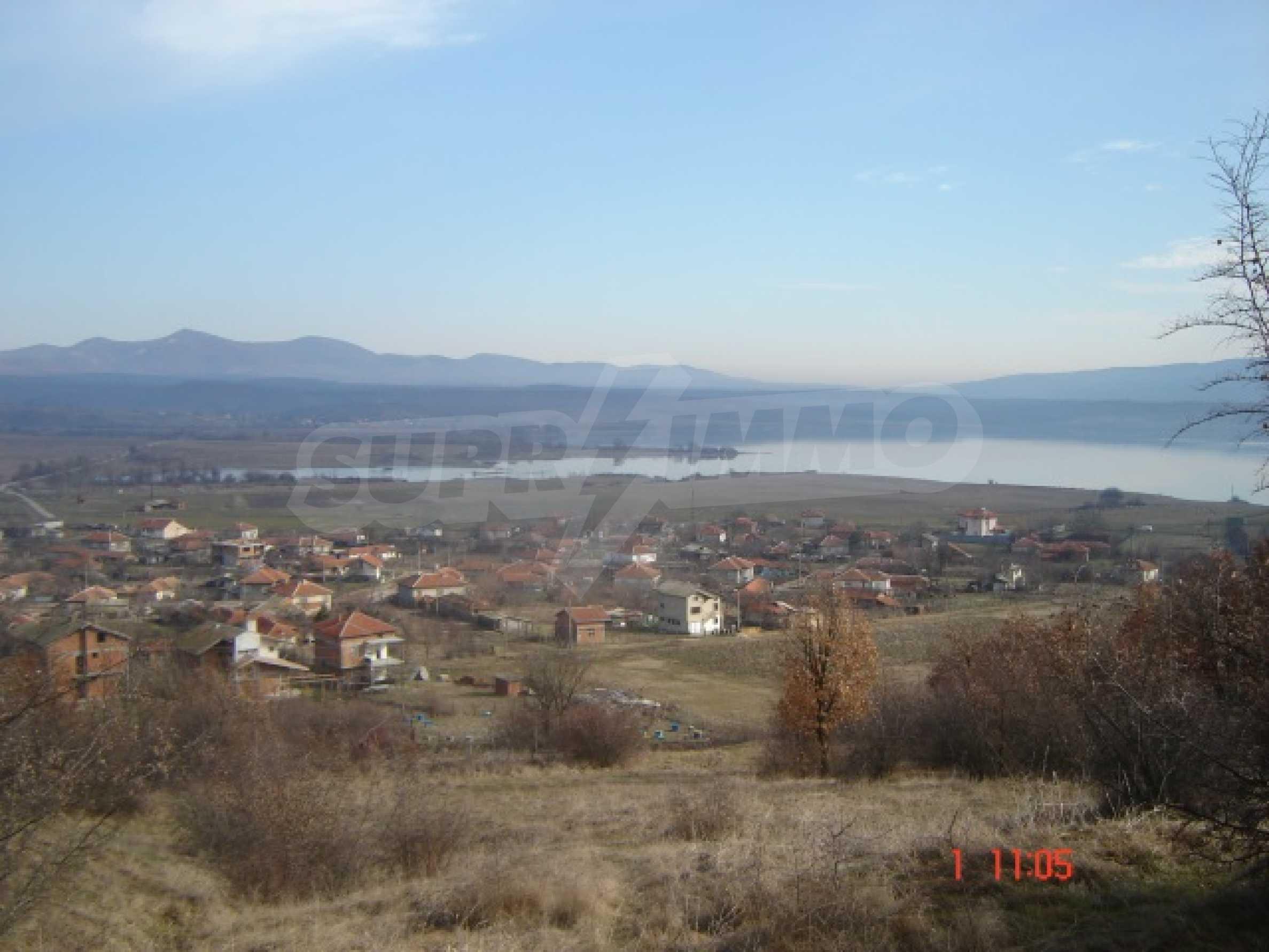 Neu gebautes Haus zum Verkauf in der Nähe von Ivaylovgrad Damm 10