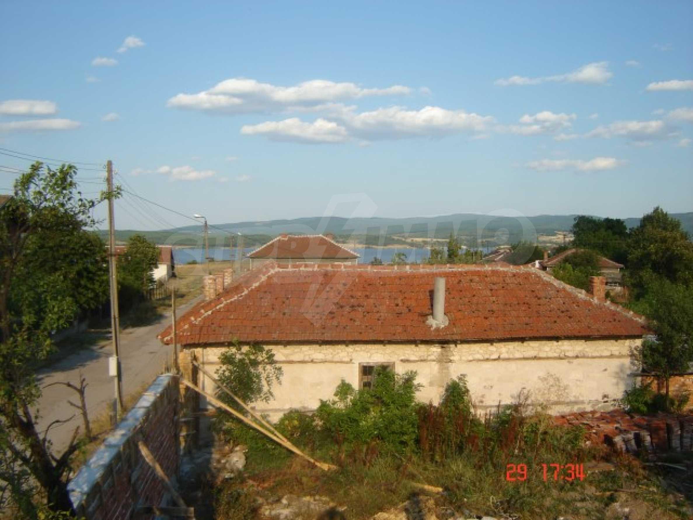Neu gebautes Haus zum Verkauf in der Nähe von Ivaylovgrad Damm 8