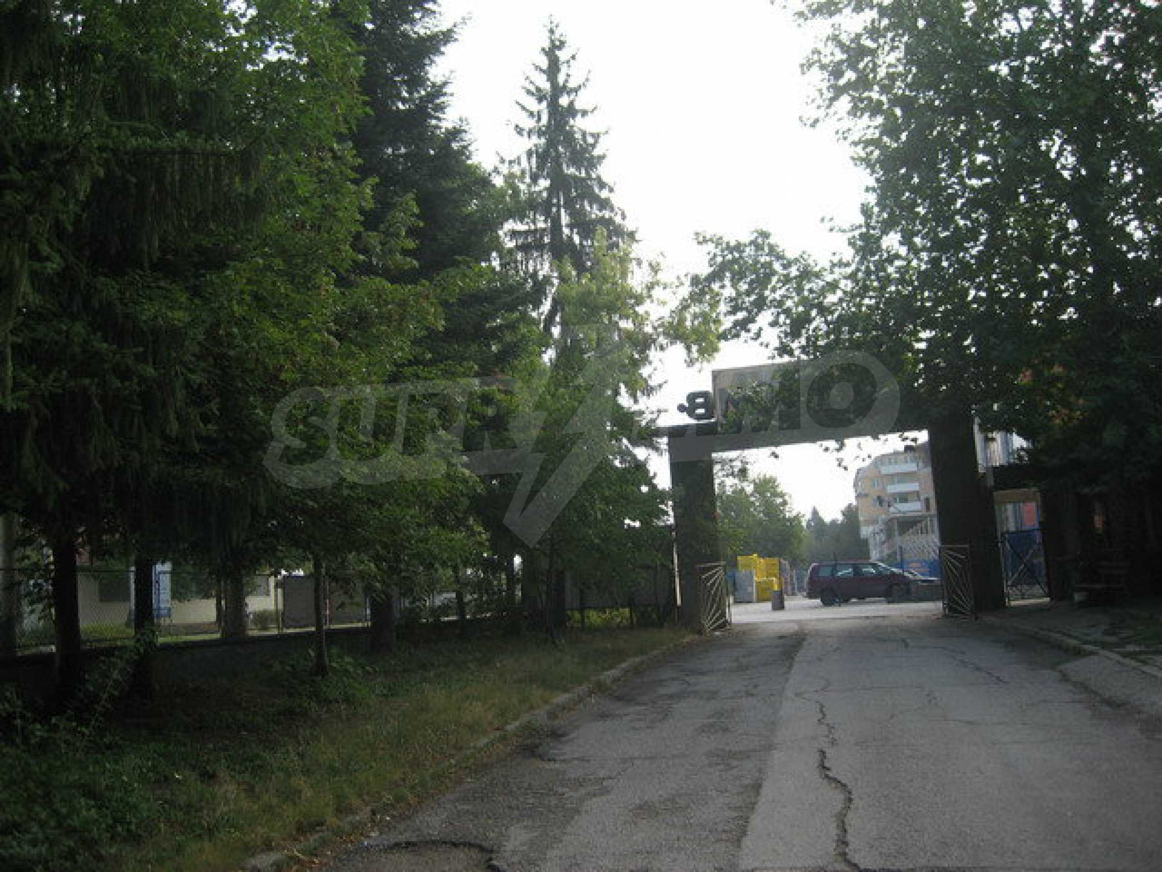 Land with buildings in the industrial area of Veliko Tarnovo 6