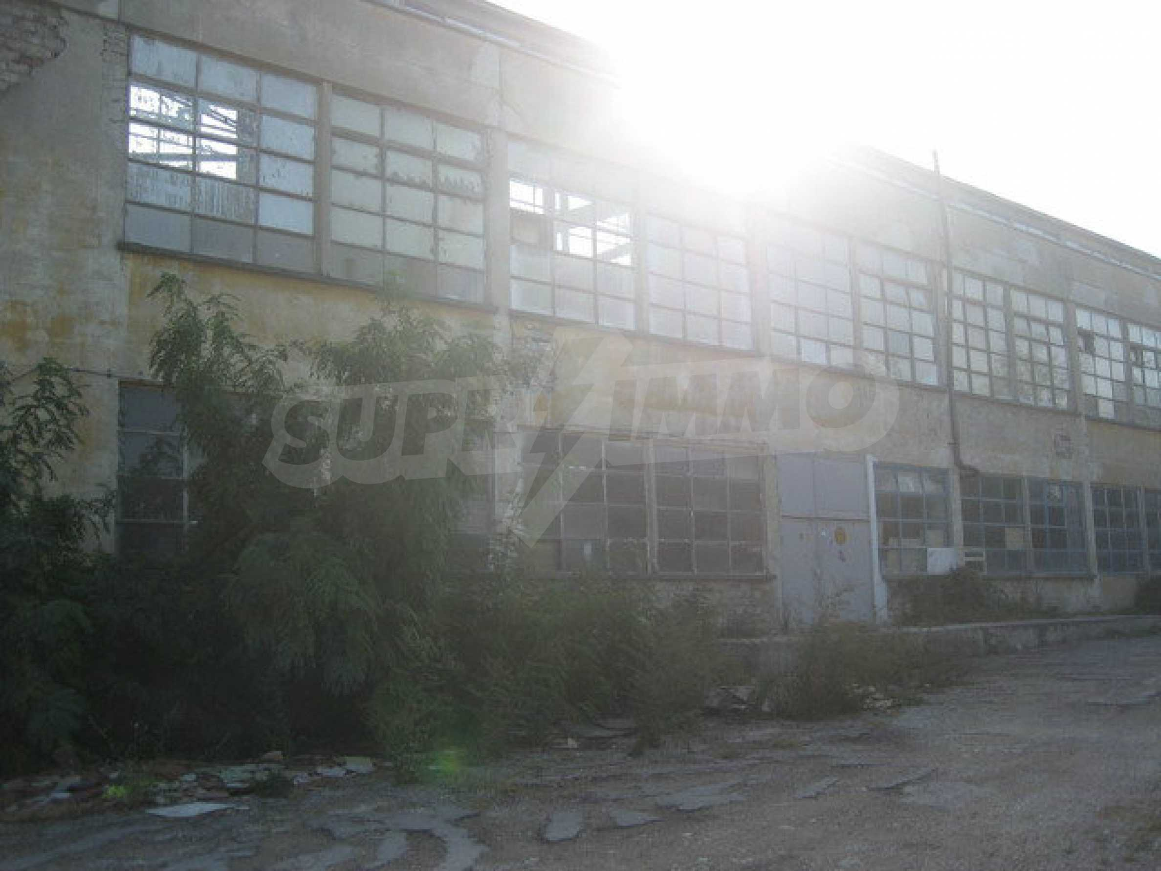 Land with buildings in the industrial area of Veliko Tarnovo 9