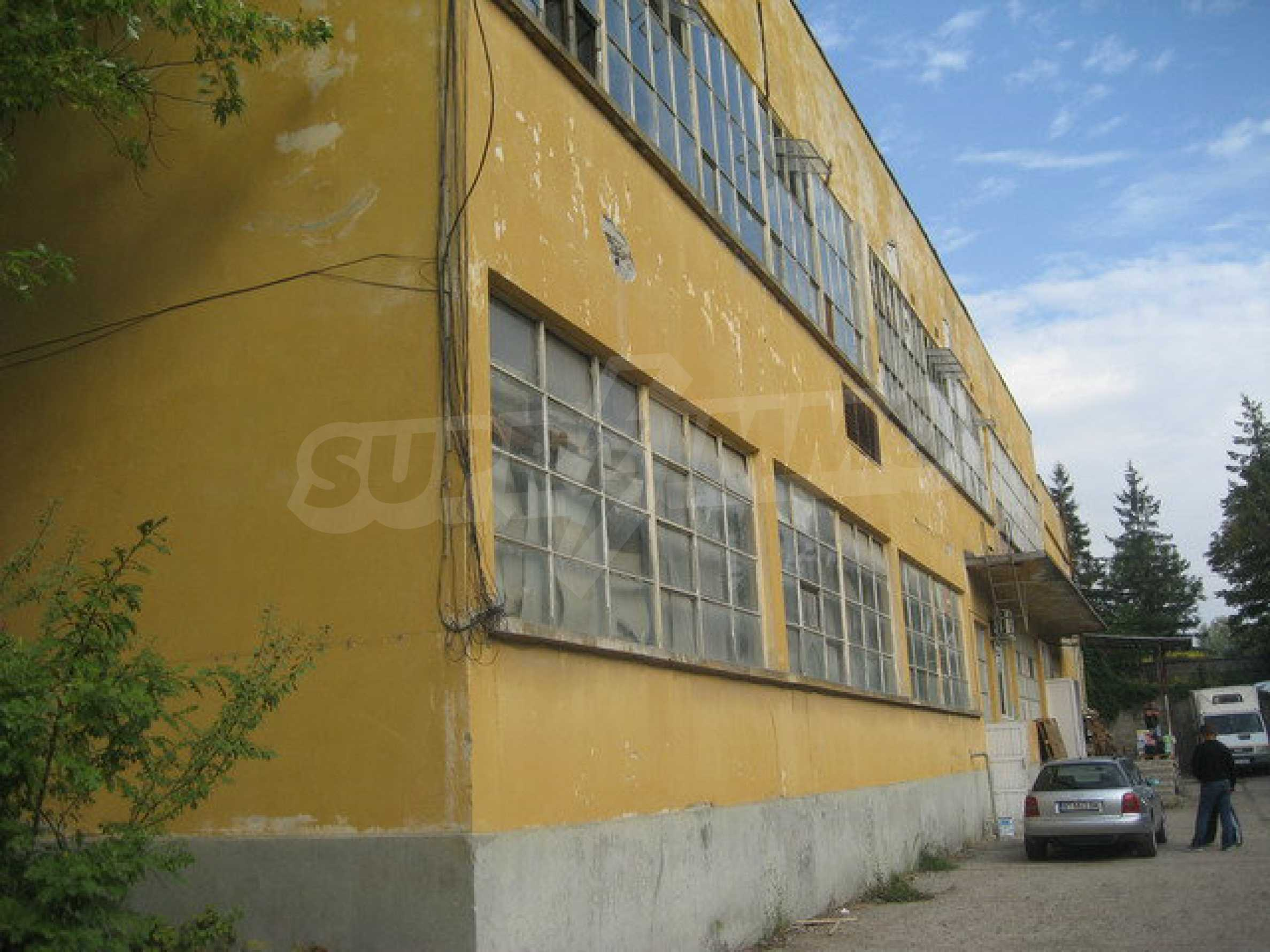 Land with buildings in the industrial area of Veliko Tarnovo 19