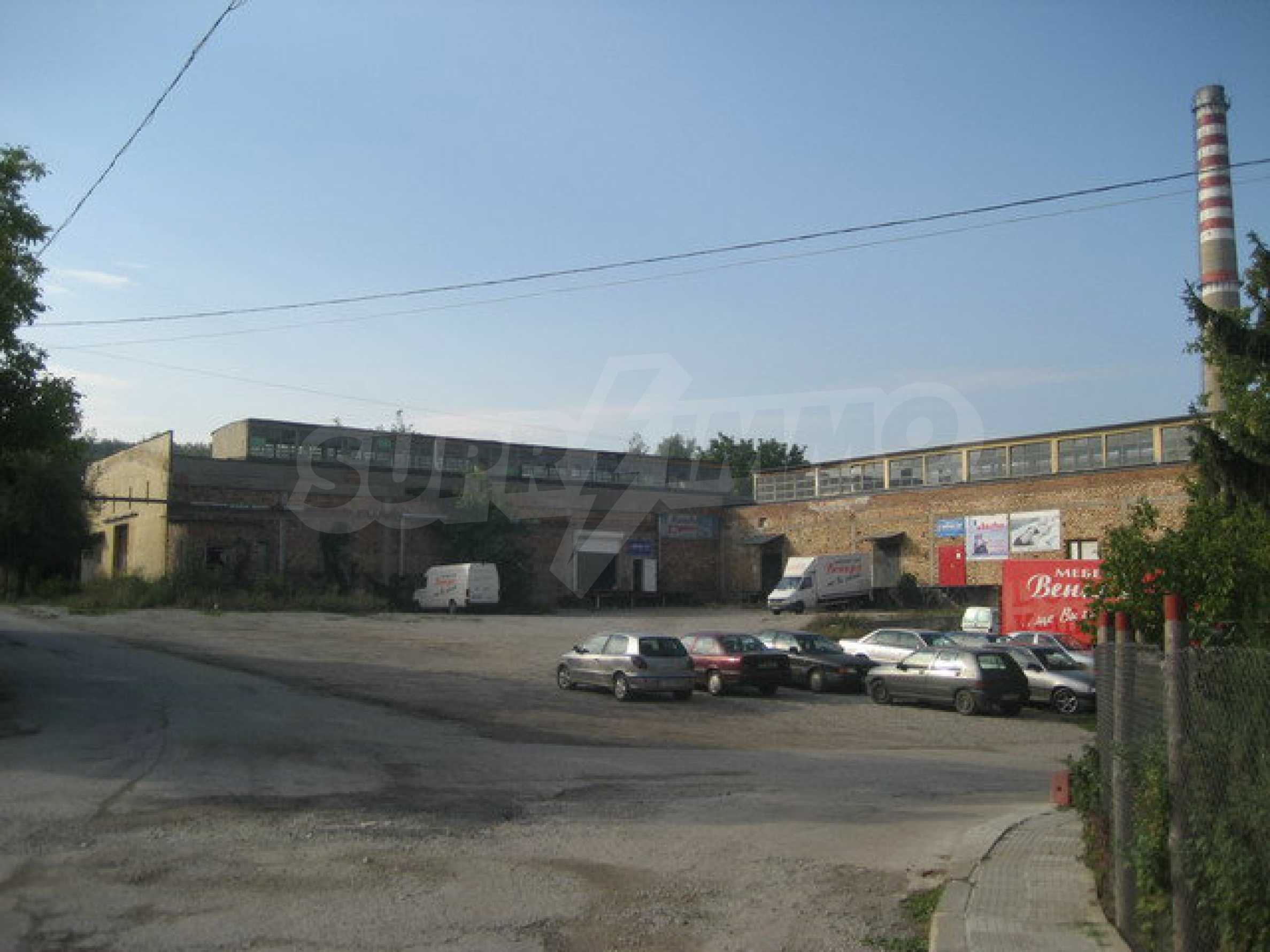 Land with buildings in the industrial area of Veliko Tarnovo 2