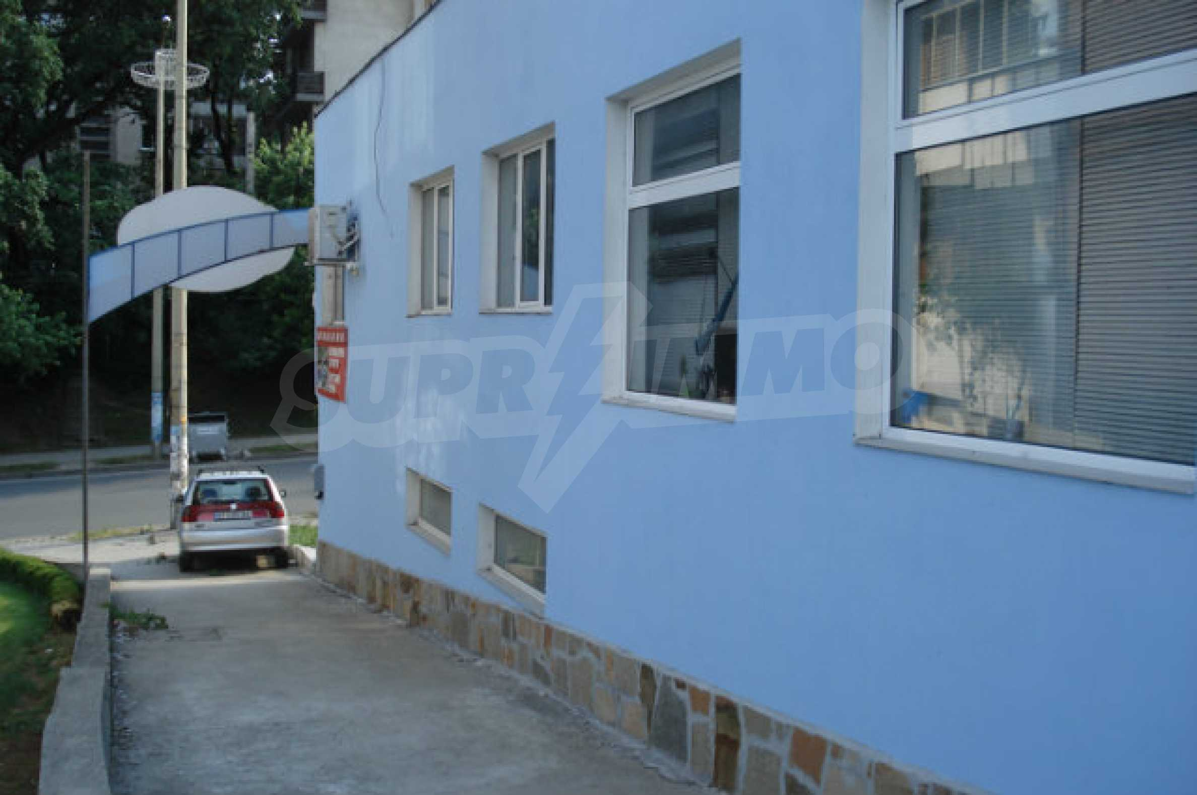 An office building in the center of Veliko Tarnovo 5