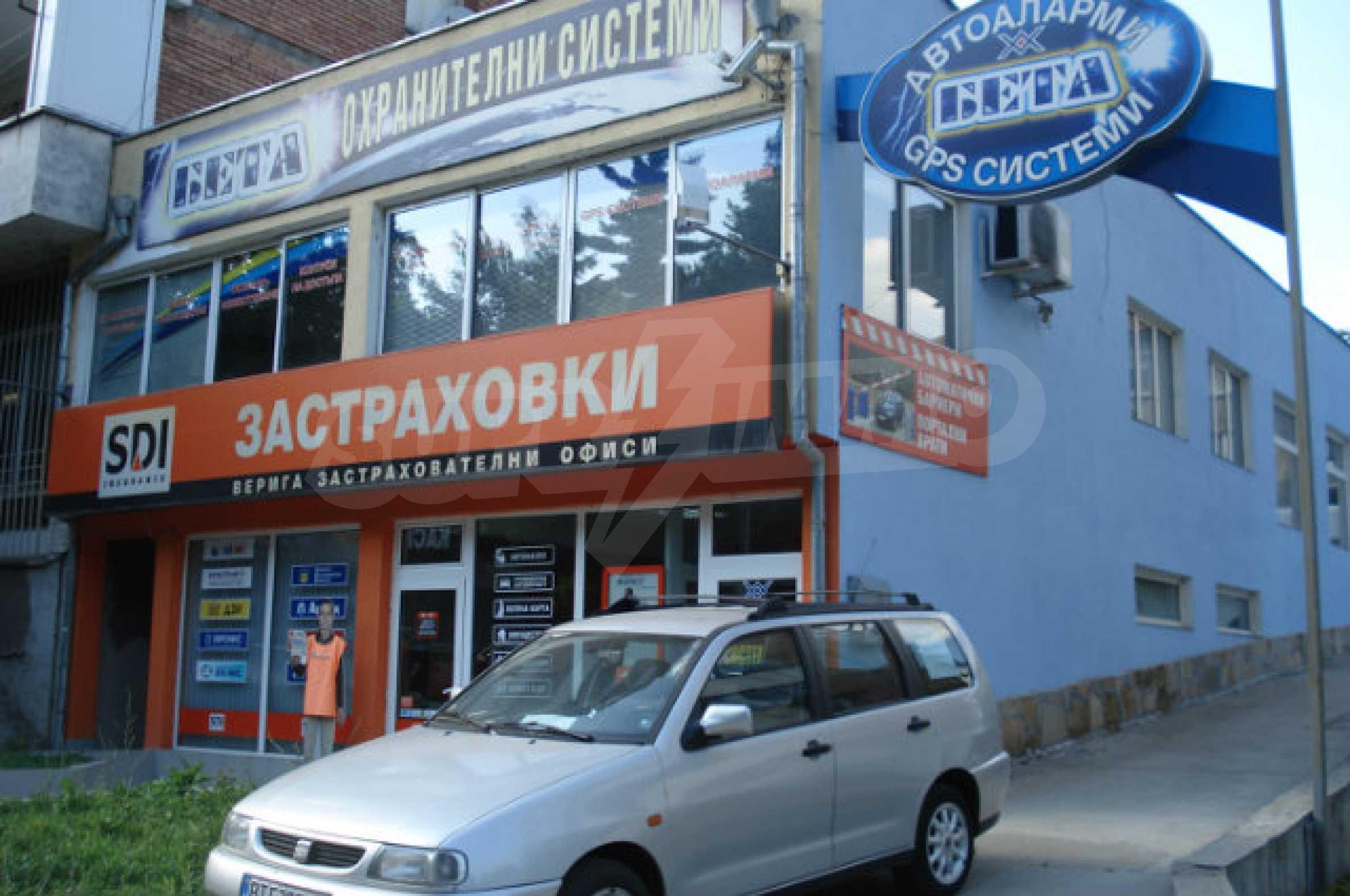 An office building in the center of Veliko Tarnovo 6