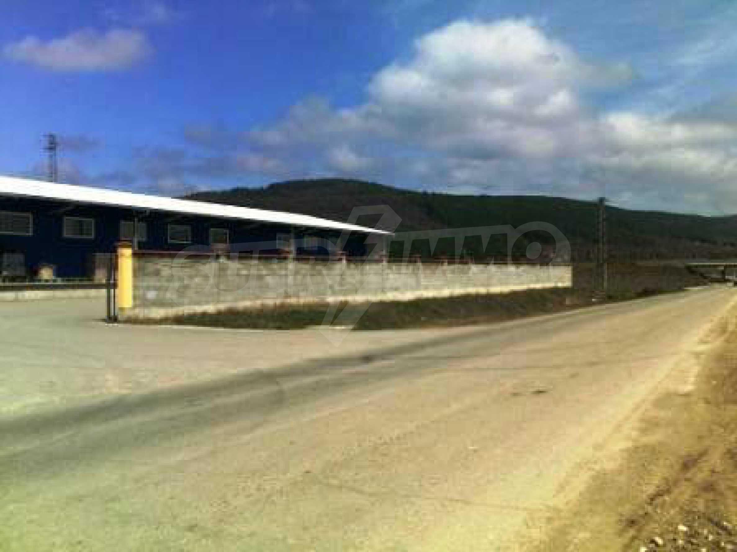 Handels- und Lagerbasis an der Hauptstraße Ruse - Svilengrad 10
