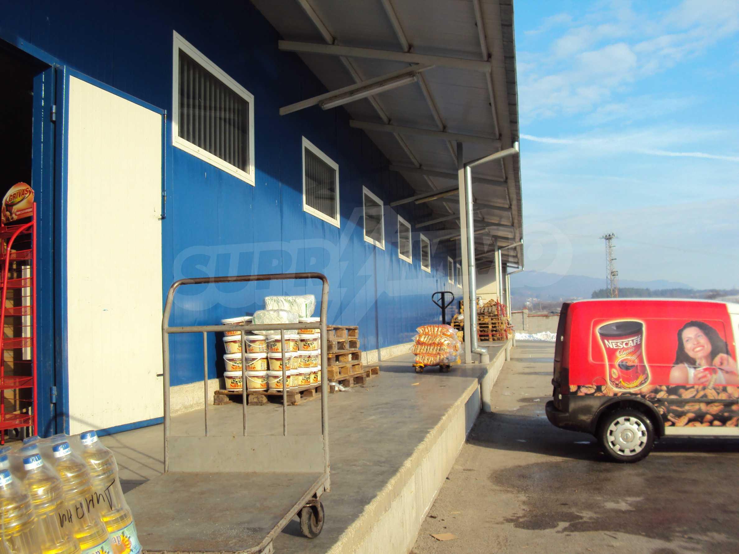 Handels- und Lagerbasis an der Hauptstraße Ruse - Svilengrad 12