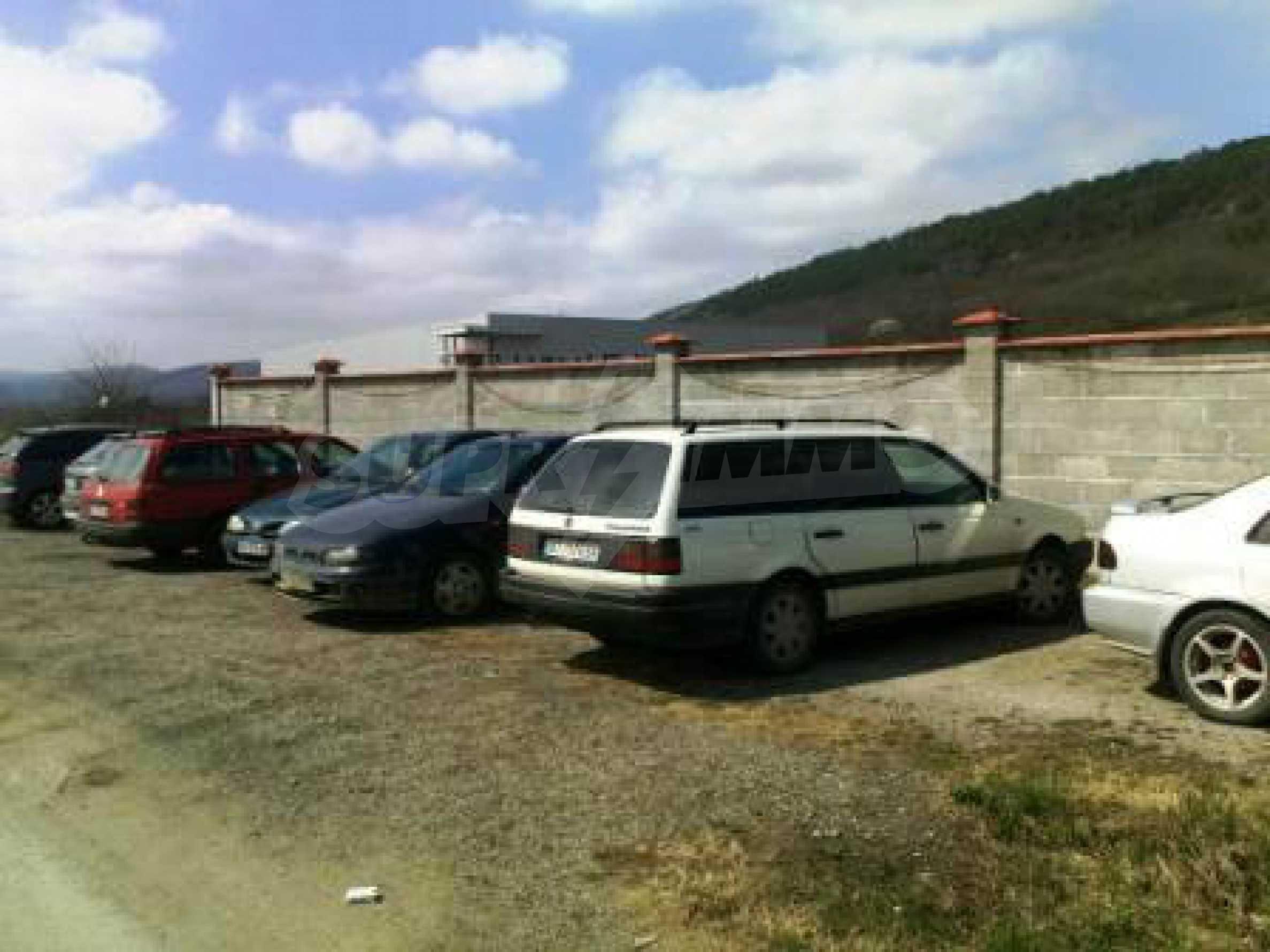 Handels- und Lagerbasis an der Hauptstraße Ruse - Svilengrad 15
