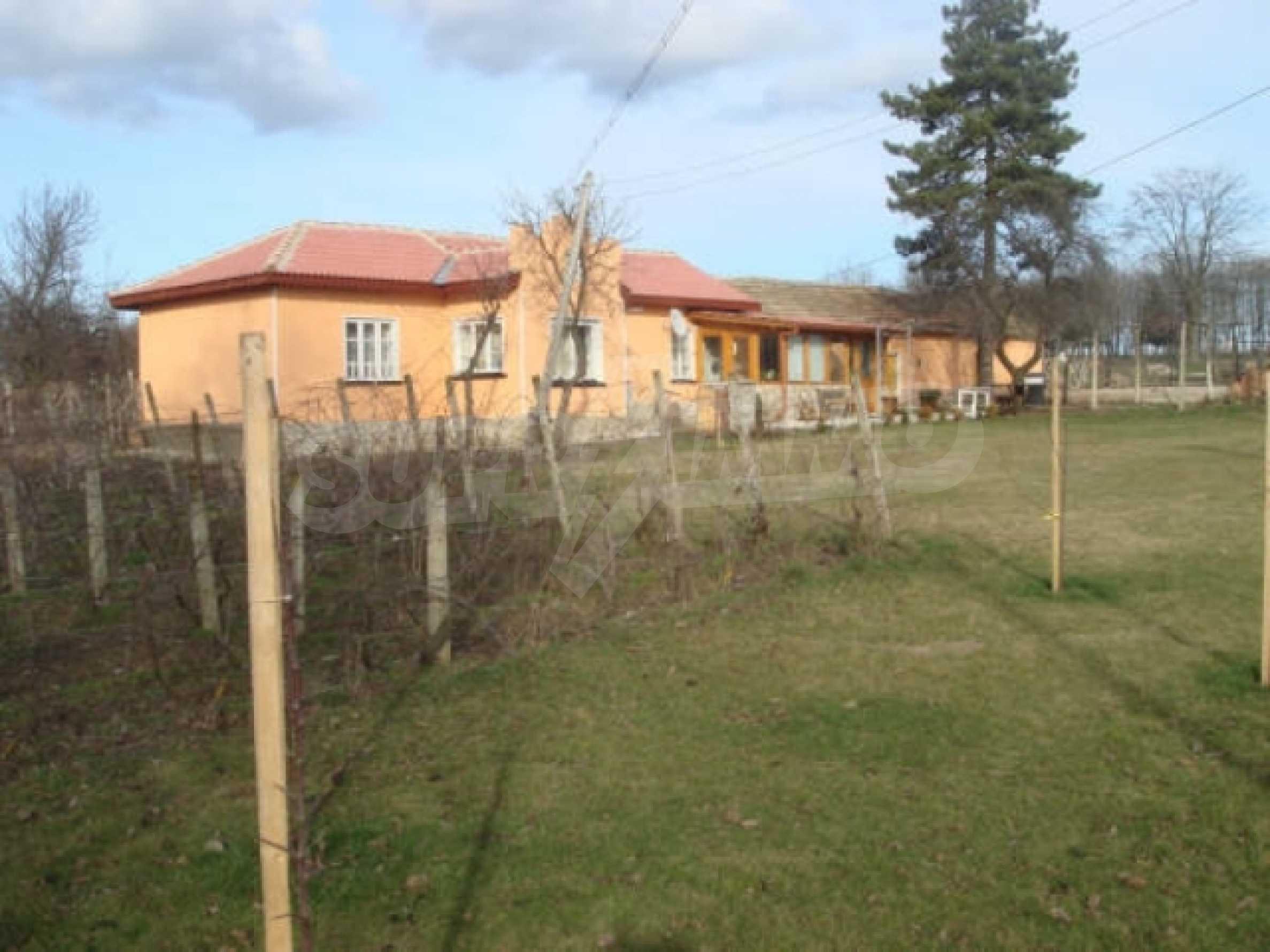 Дом вблизи г. Генерал Тошево 3