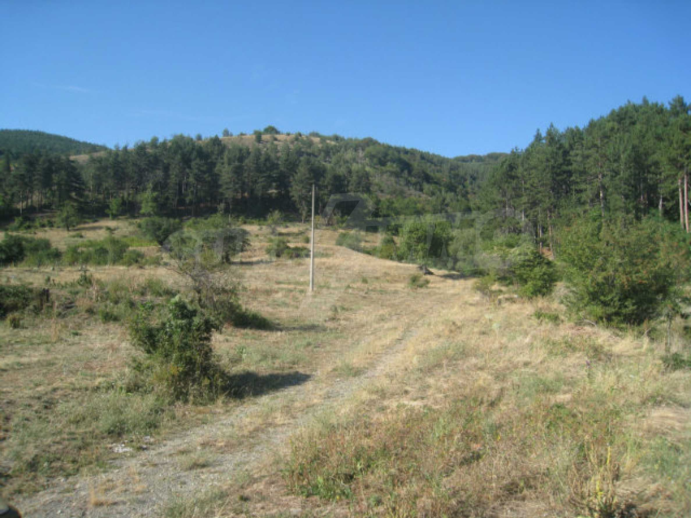 Regulated plot of land in a quiet village near the sub-Balkan road