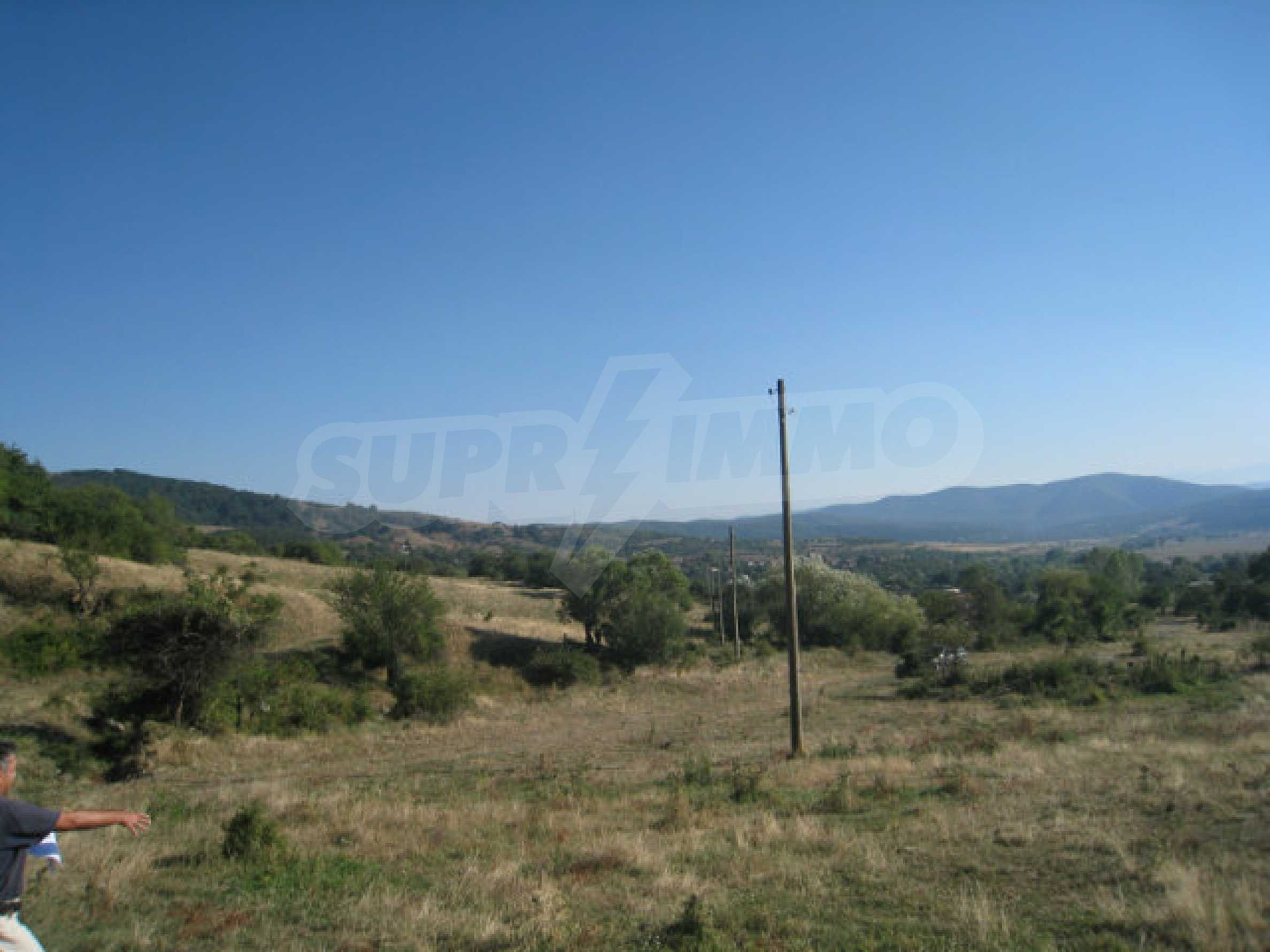 Regulated plot of land in a quiet village near the sub-Balkan road 17