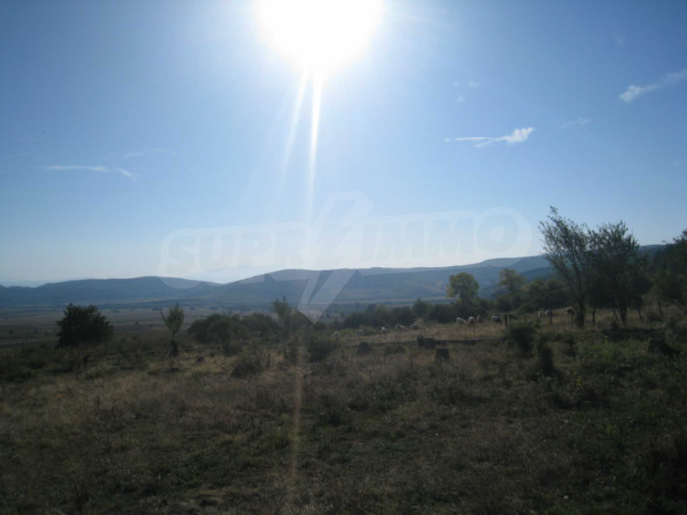 Regulated plot of land in a quiet village near the sub-Balkan road 19