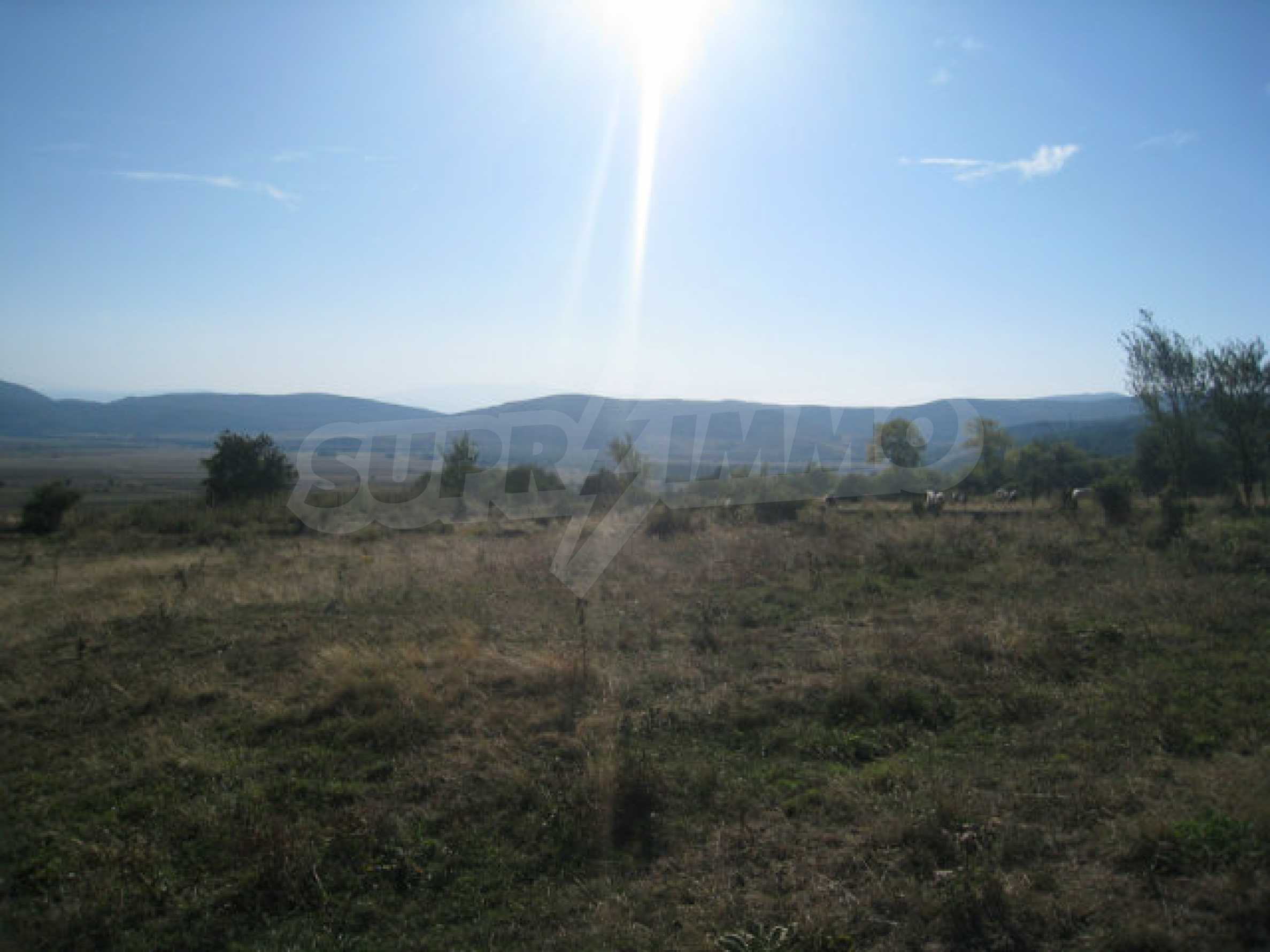 Regulated plot of land in a quiet village near the sub-Balkan road 25