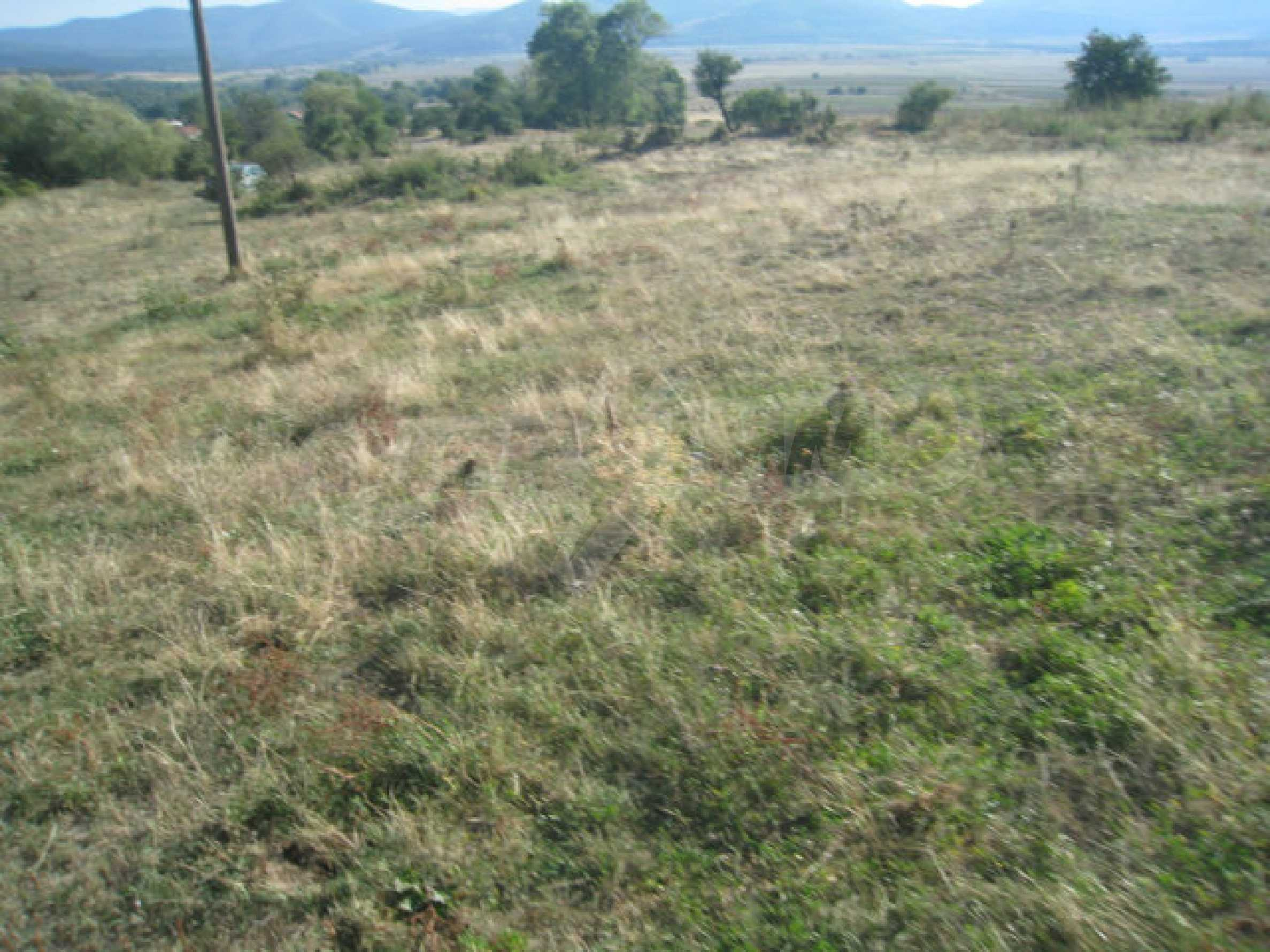 Regulated plot of land in a quiet village near the sub-Balkan road 29