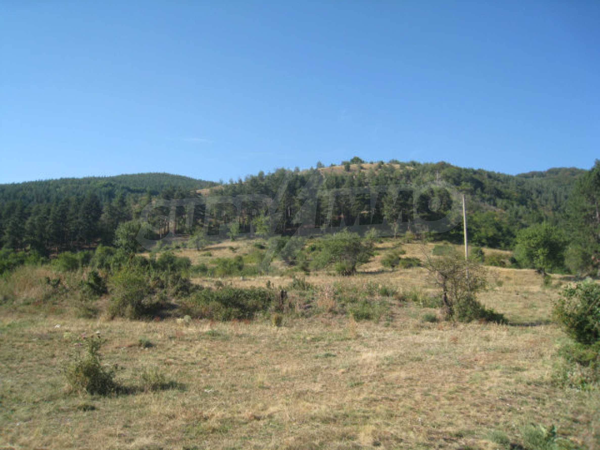 Regulated plot of land in a quiet village near the sub-Balkan road 6