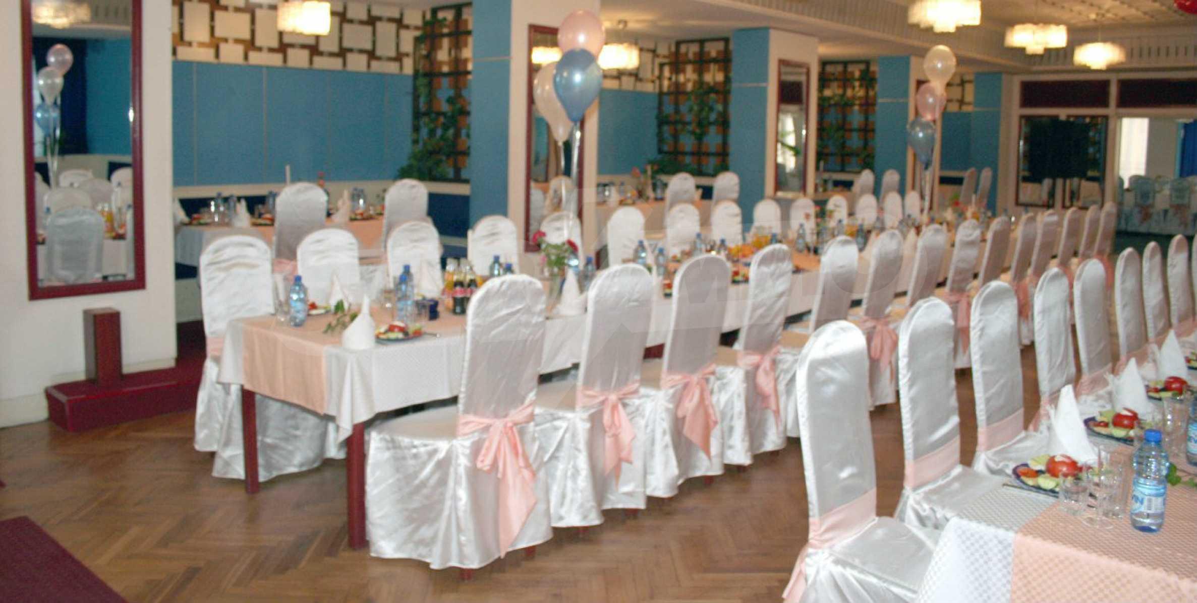Betriebsrestaurant in der oberen Mitte von Gabrovo 2