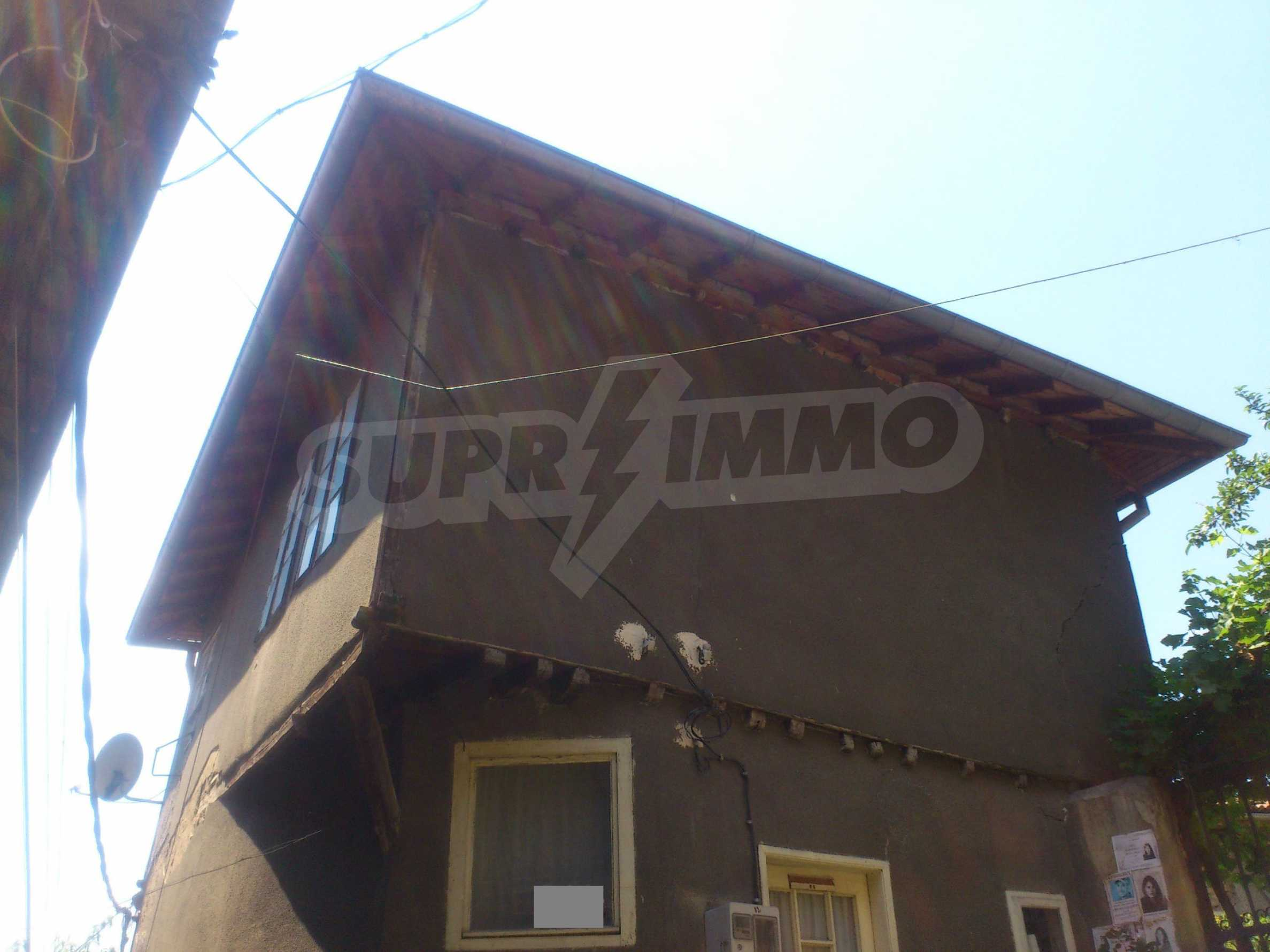 Traditional, spacious house located in the old part of Veliko Tarnovo 34