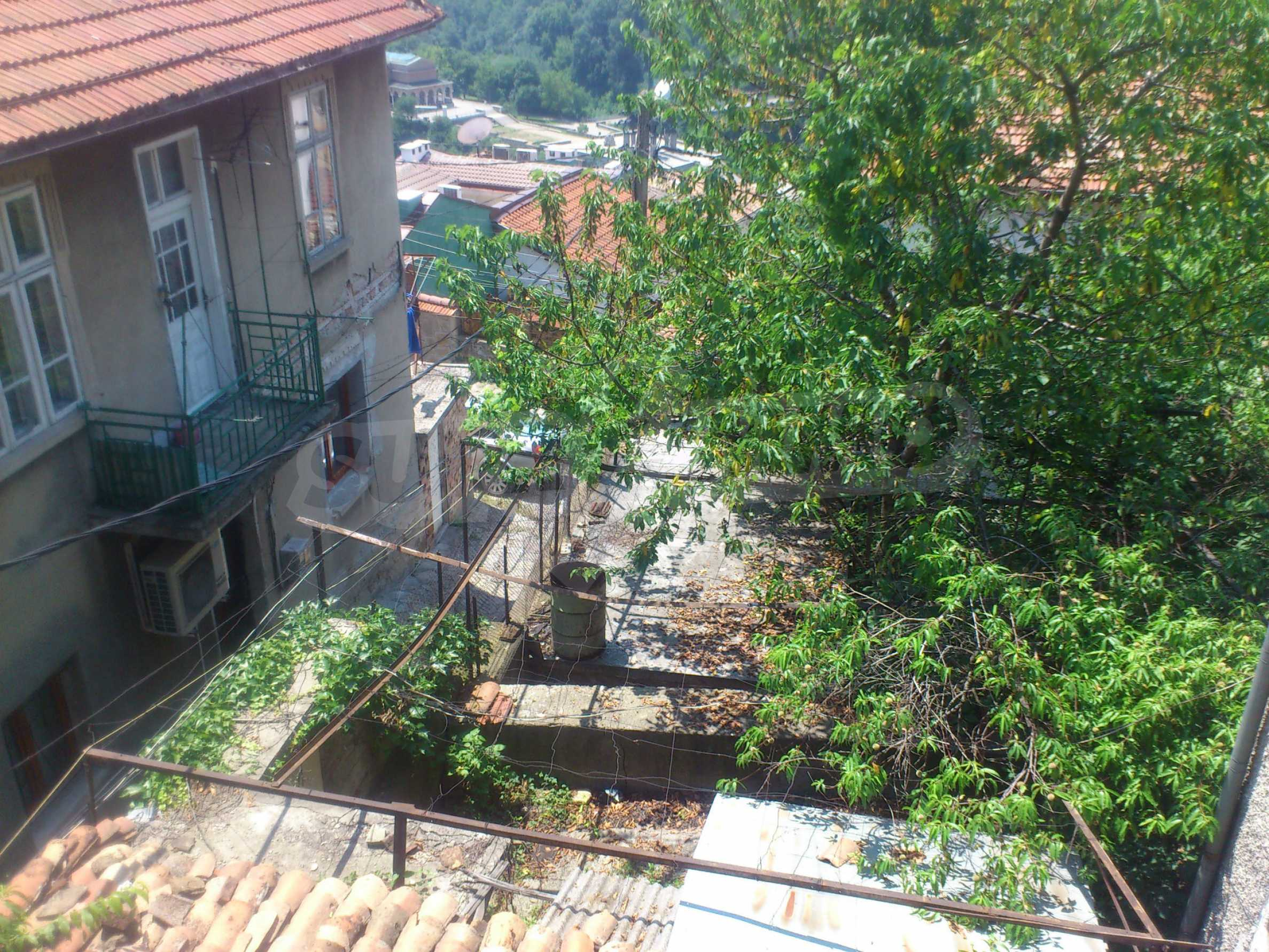 Traditional, spacious house located in the old part of Veliko Tarnovo 7