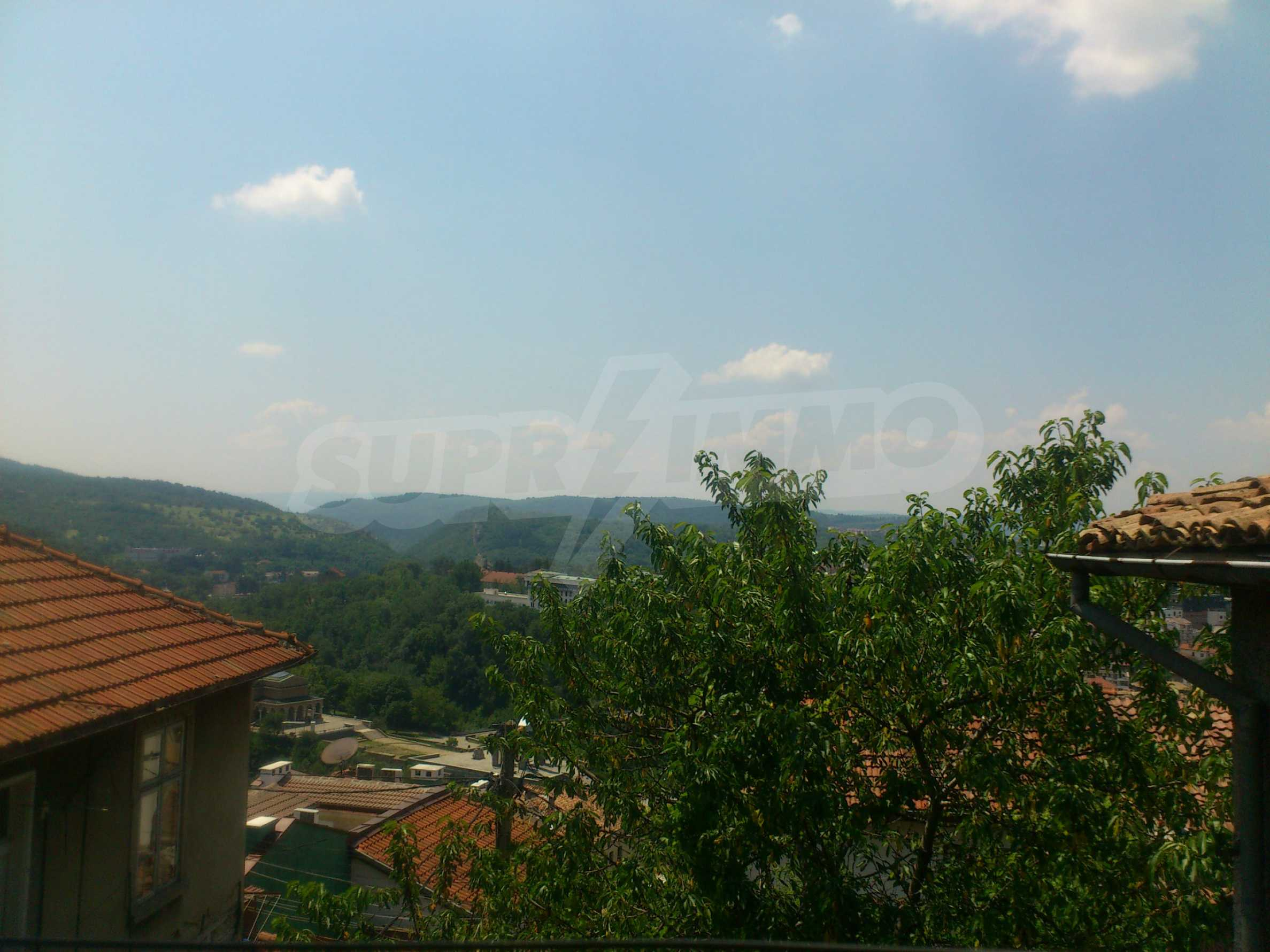 Traditional, spacious house located in the old part of Veliko Tarnovo 8