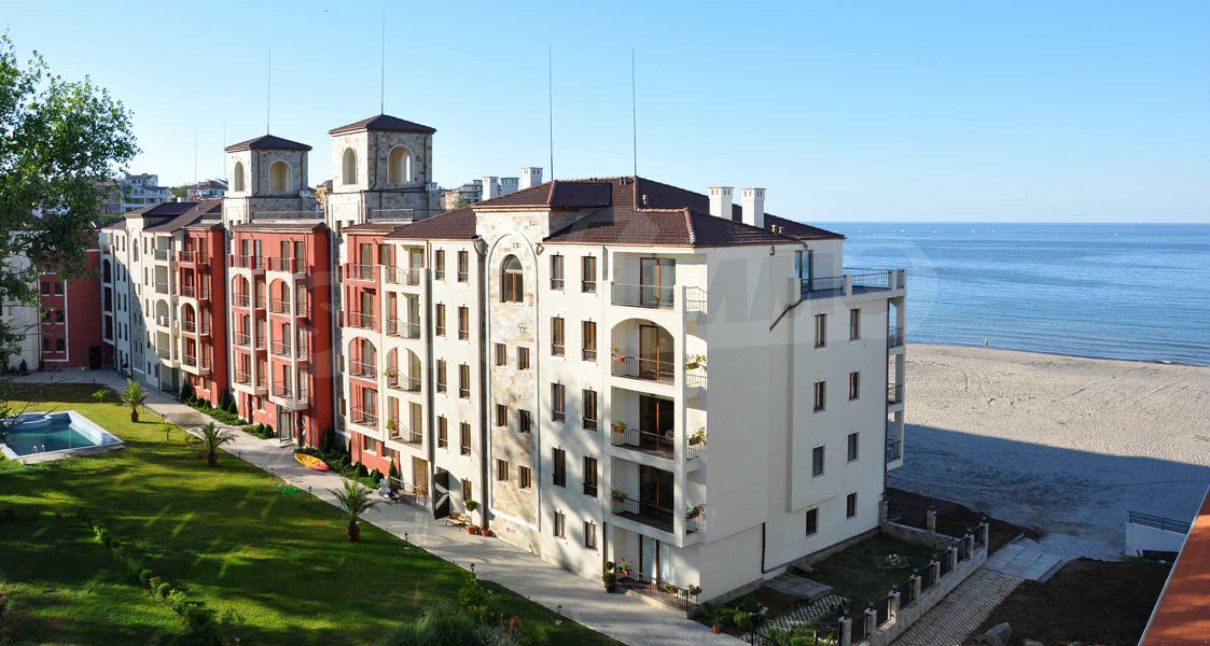 Примеа Бийч Резиденс / Primea Beach Residence