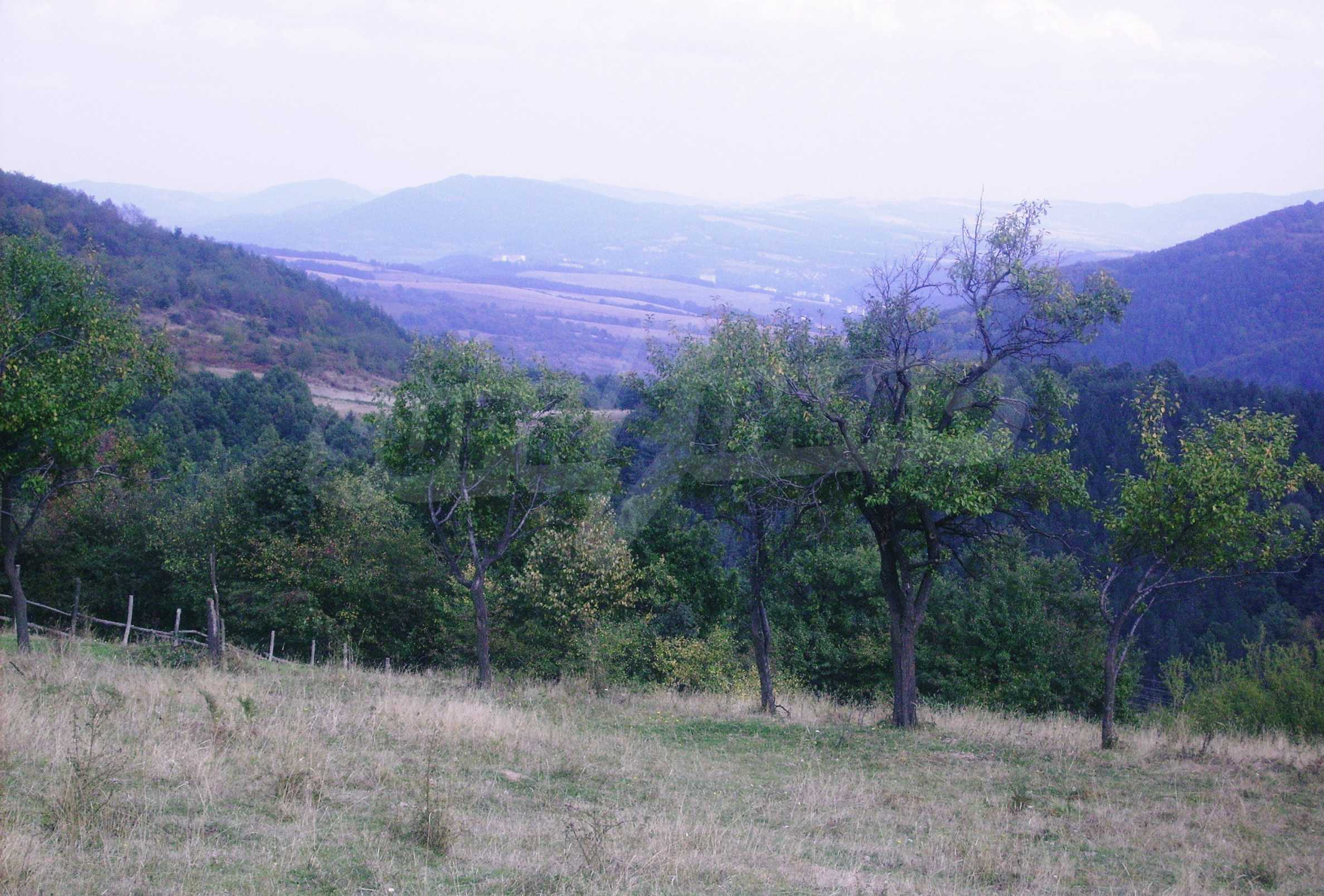 Large plot of land for sale located in the heart of Stara Planina Mountain 2