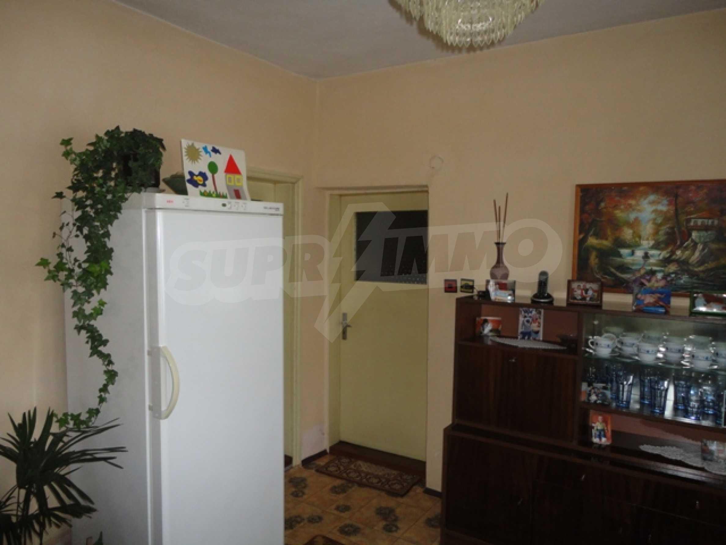 Ухоженный дом в городе Суворово 10