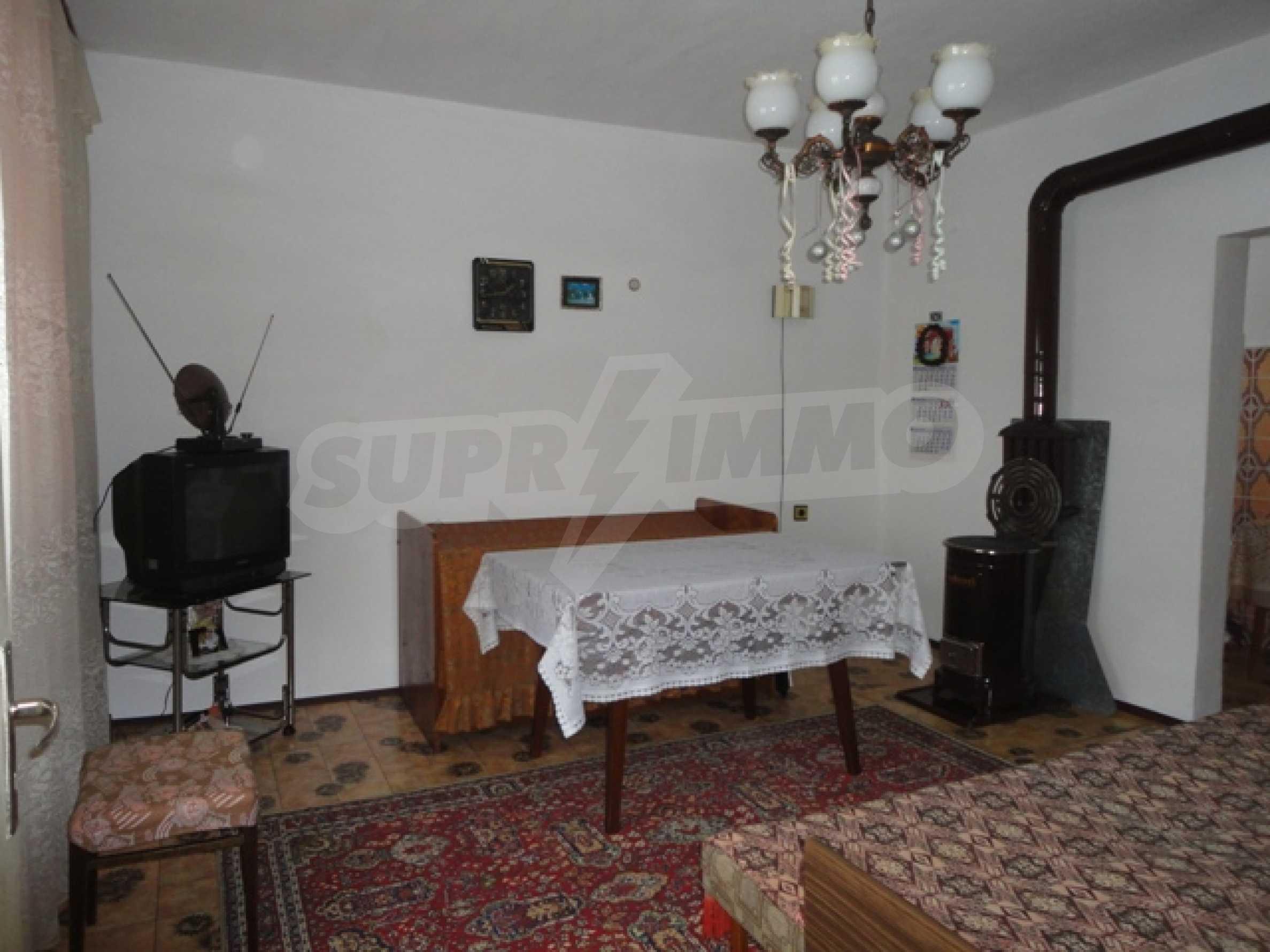 Ухоженный дом в городе Суворово 12