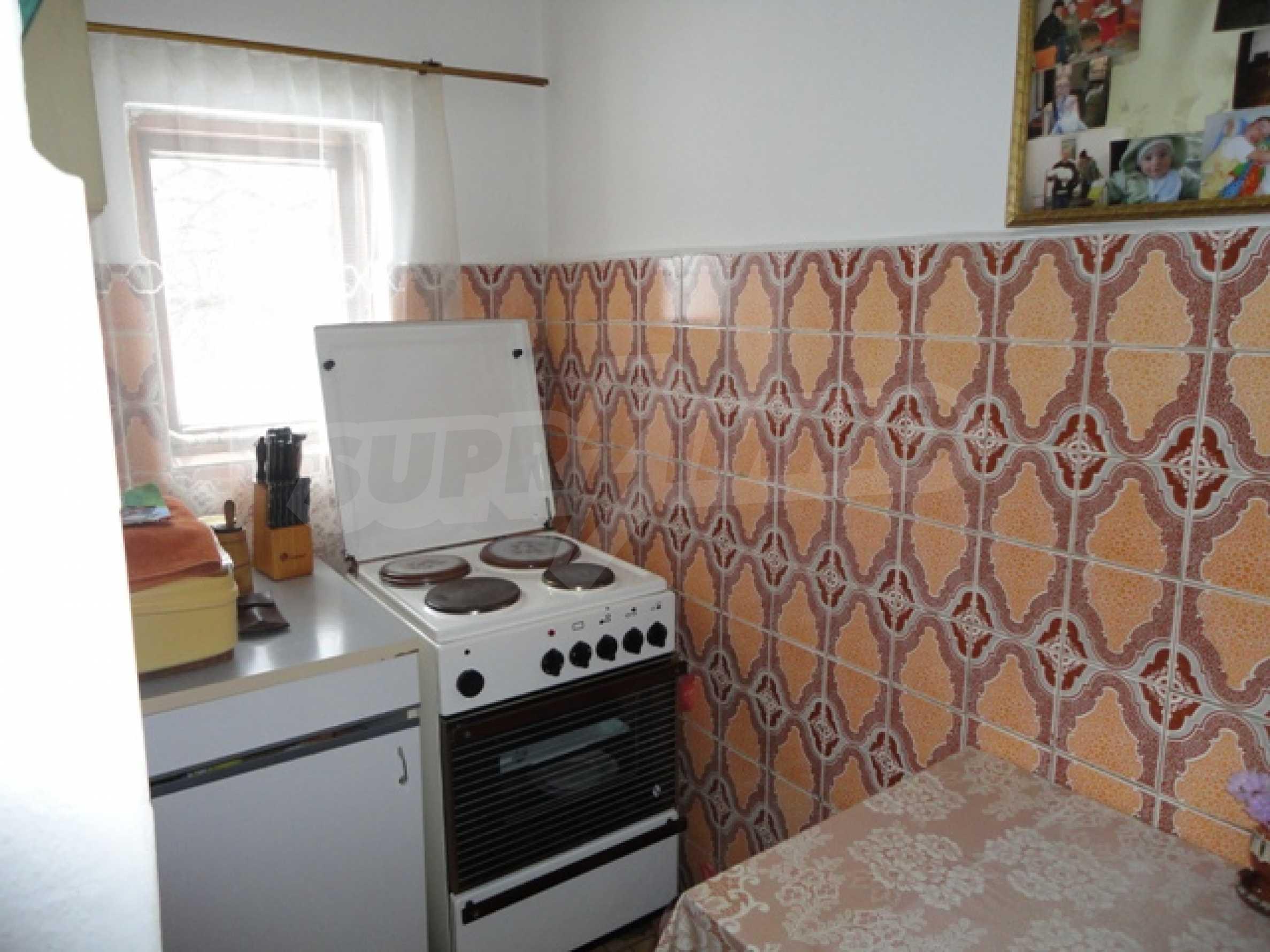 Ухоженный дом в городе Суворово 15
