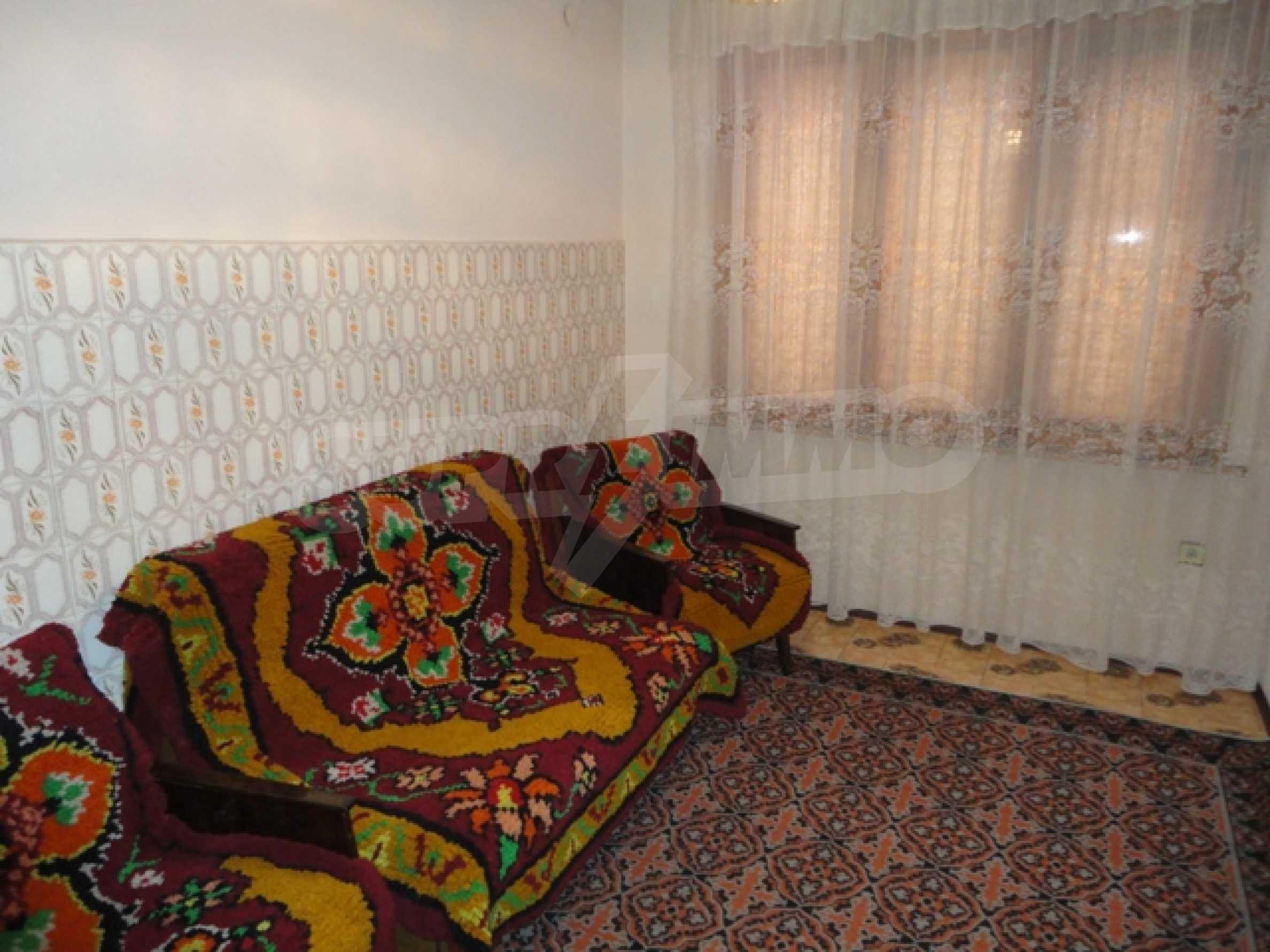 Ухоженный дом в городе Суворово 18