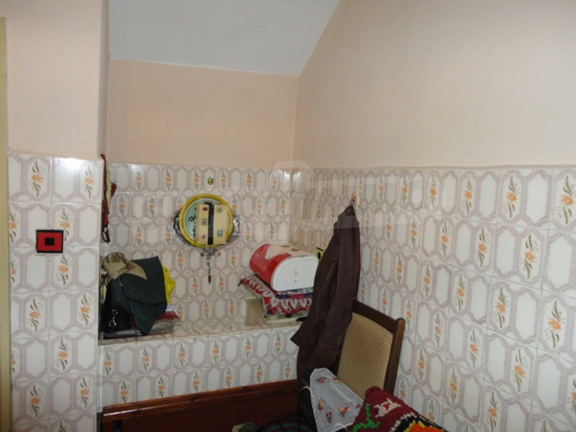 Ухоженный дом в городе Суворово 21