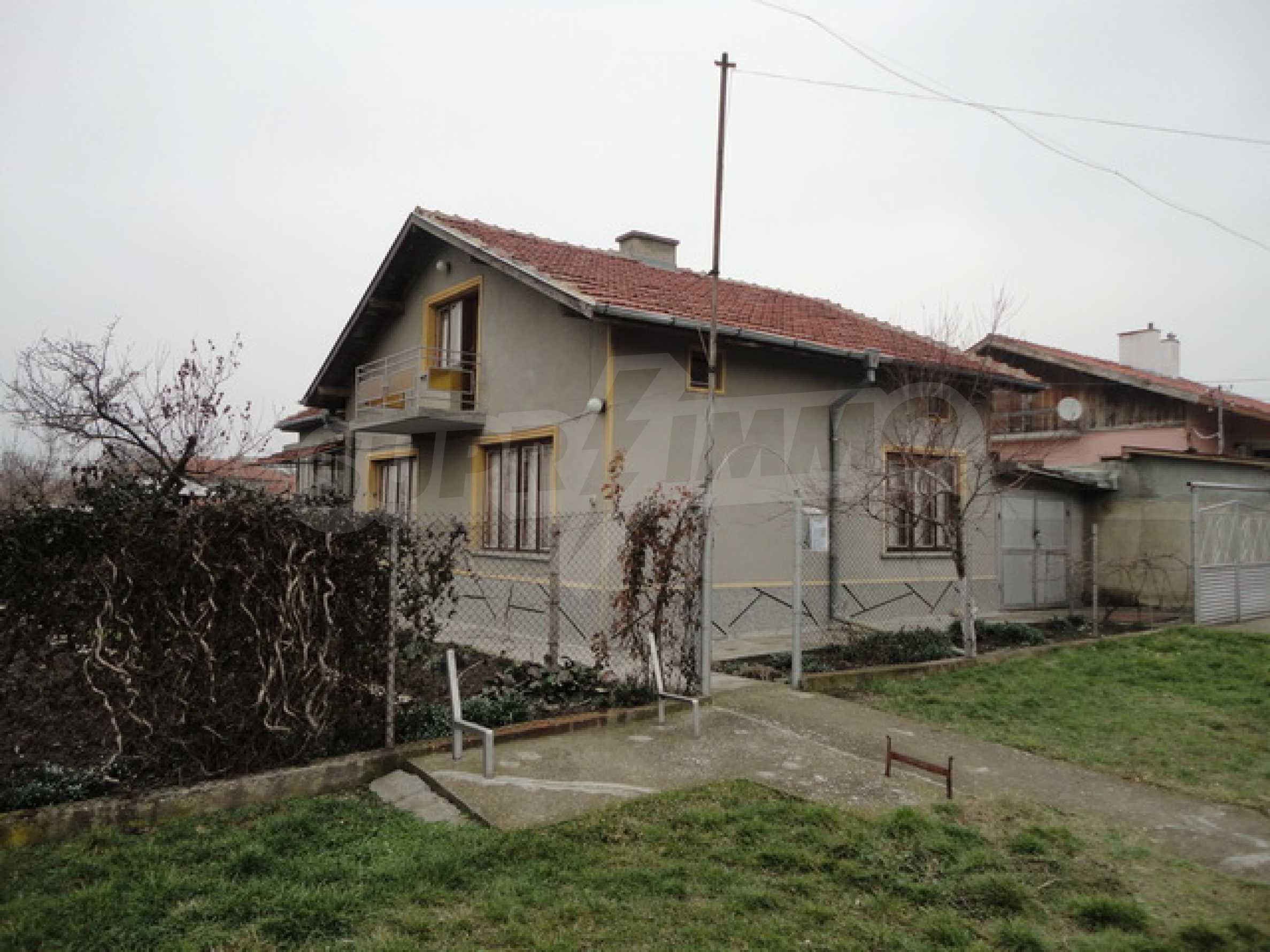 Ухоженный дом в городе Суворово 3