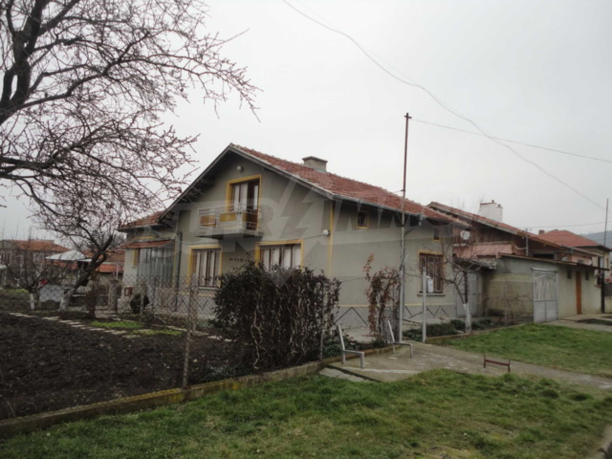 Ухоженный дом в городе Суворово 4