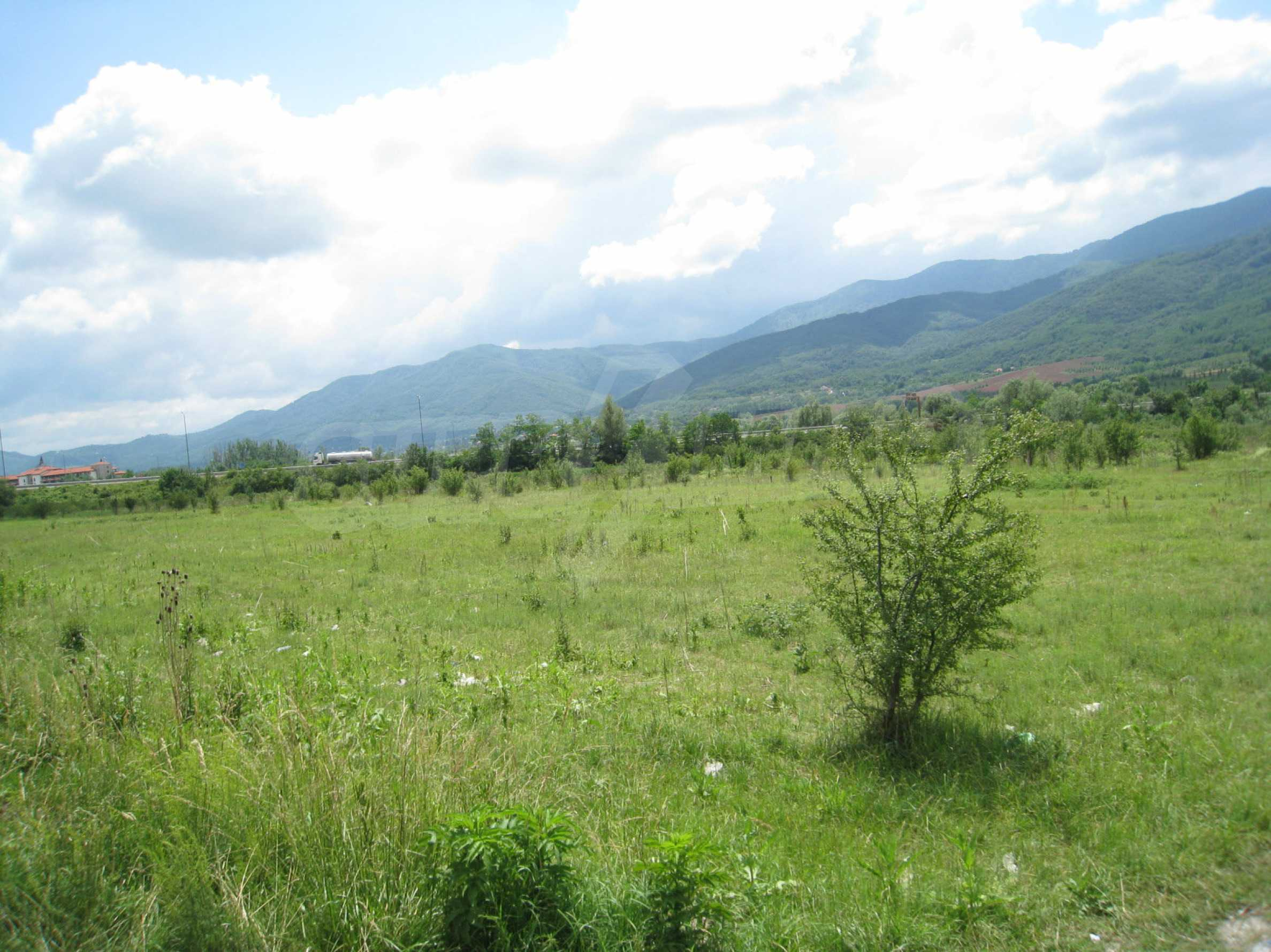 Investment land near the golf course in Pravets