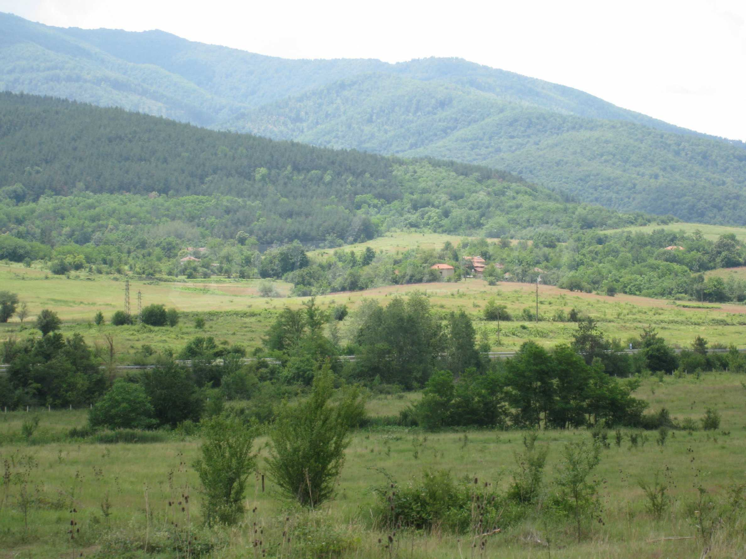 Investment land near the golf course in Pravets 18