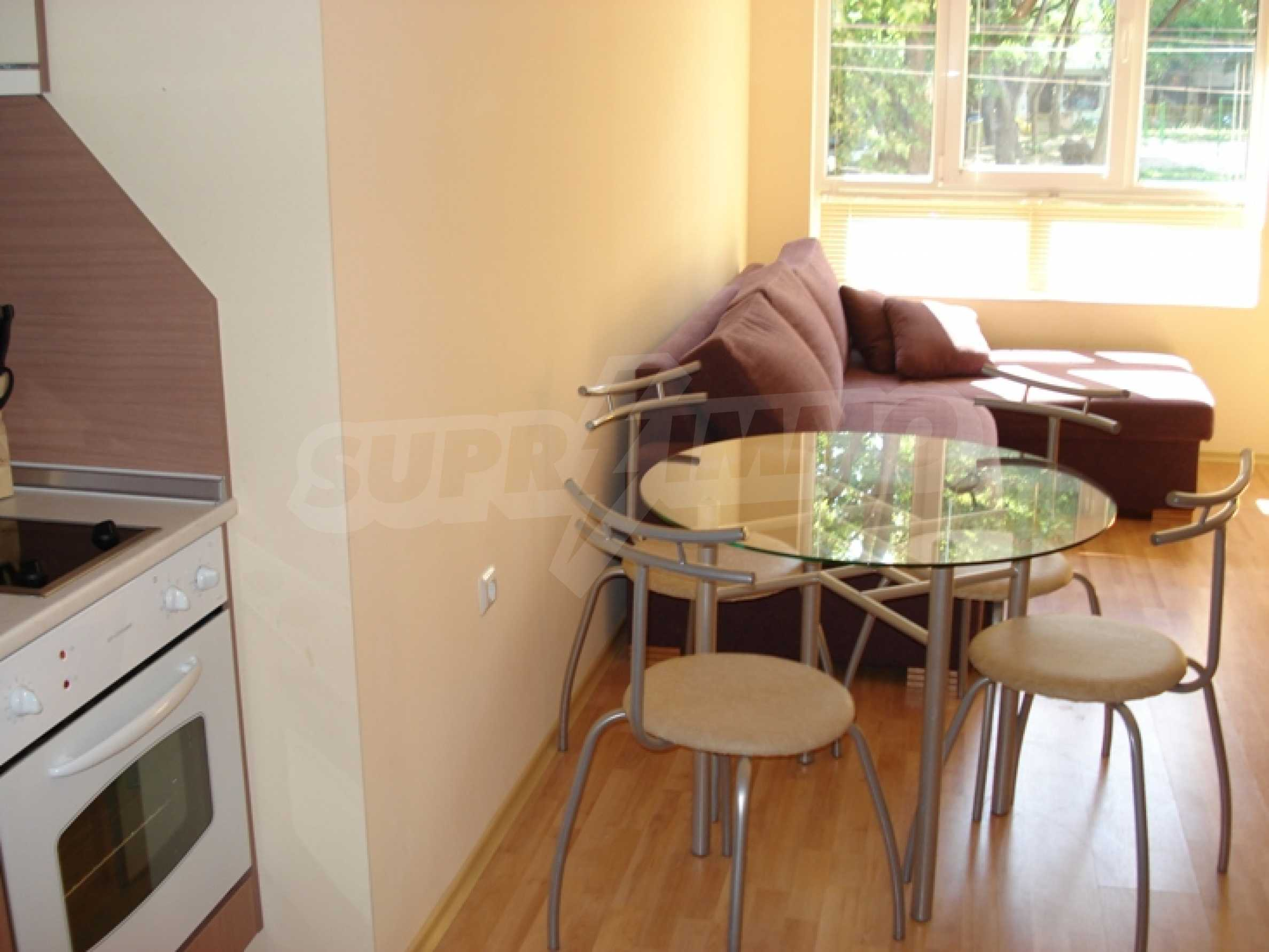 Luxurious, fully furnished apartment walking distance from the sea and the trade center of the city 3