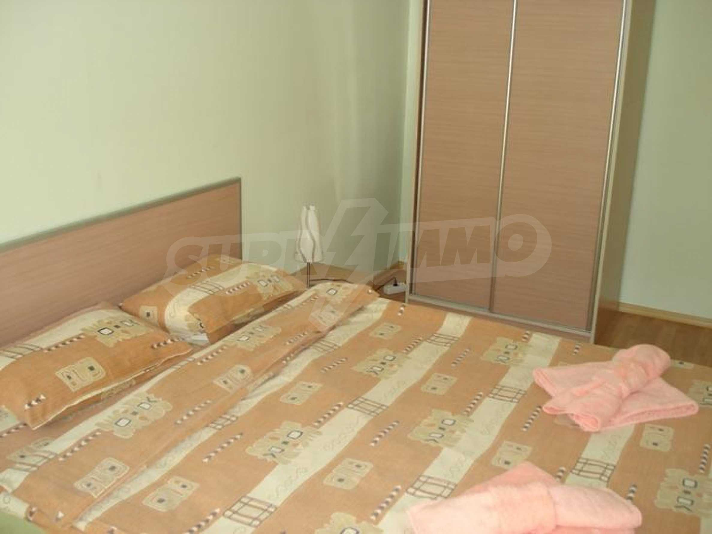 Luxurious, fully furnished apartment walking distance from the sea and the trade center of the city 4