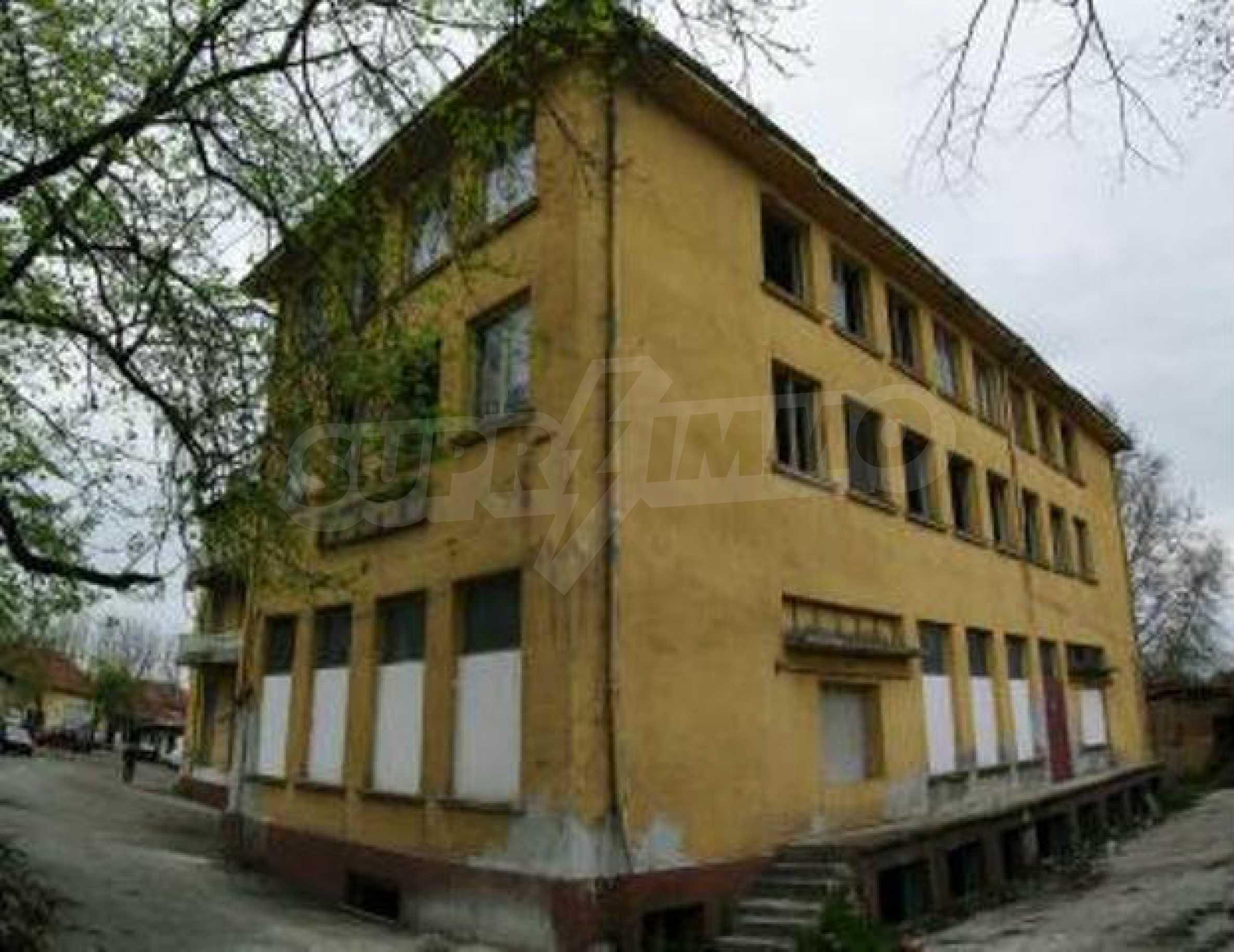 A massive three-storey warehouse  1