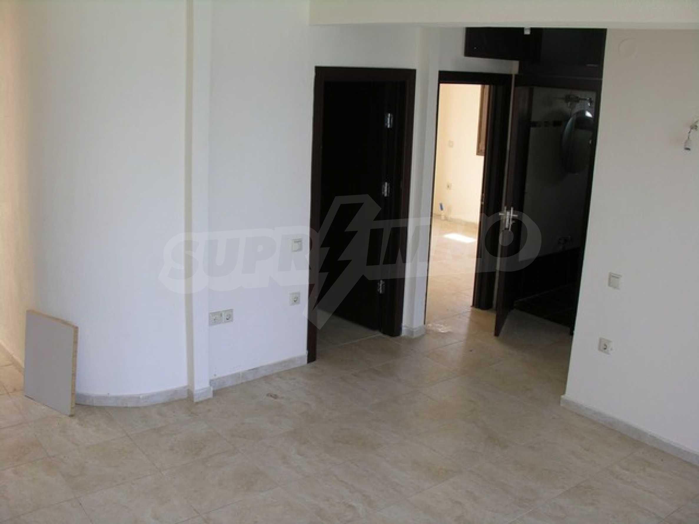 Апартамент  в  Сивири 7