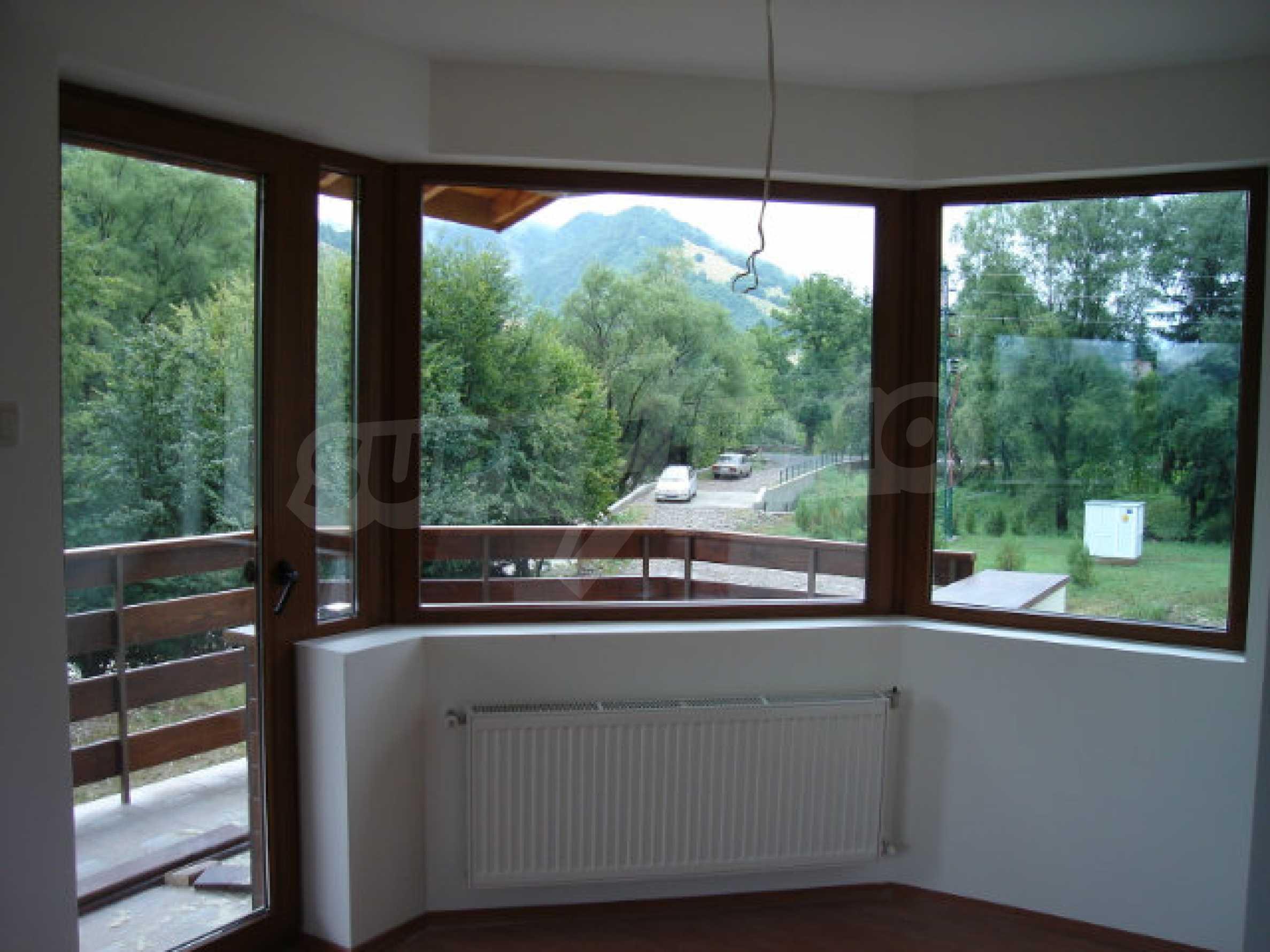 Neugebaute dreistöckige Villa in Ribaritsa 14