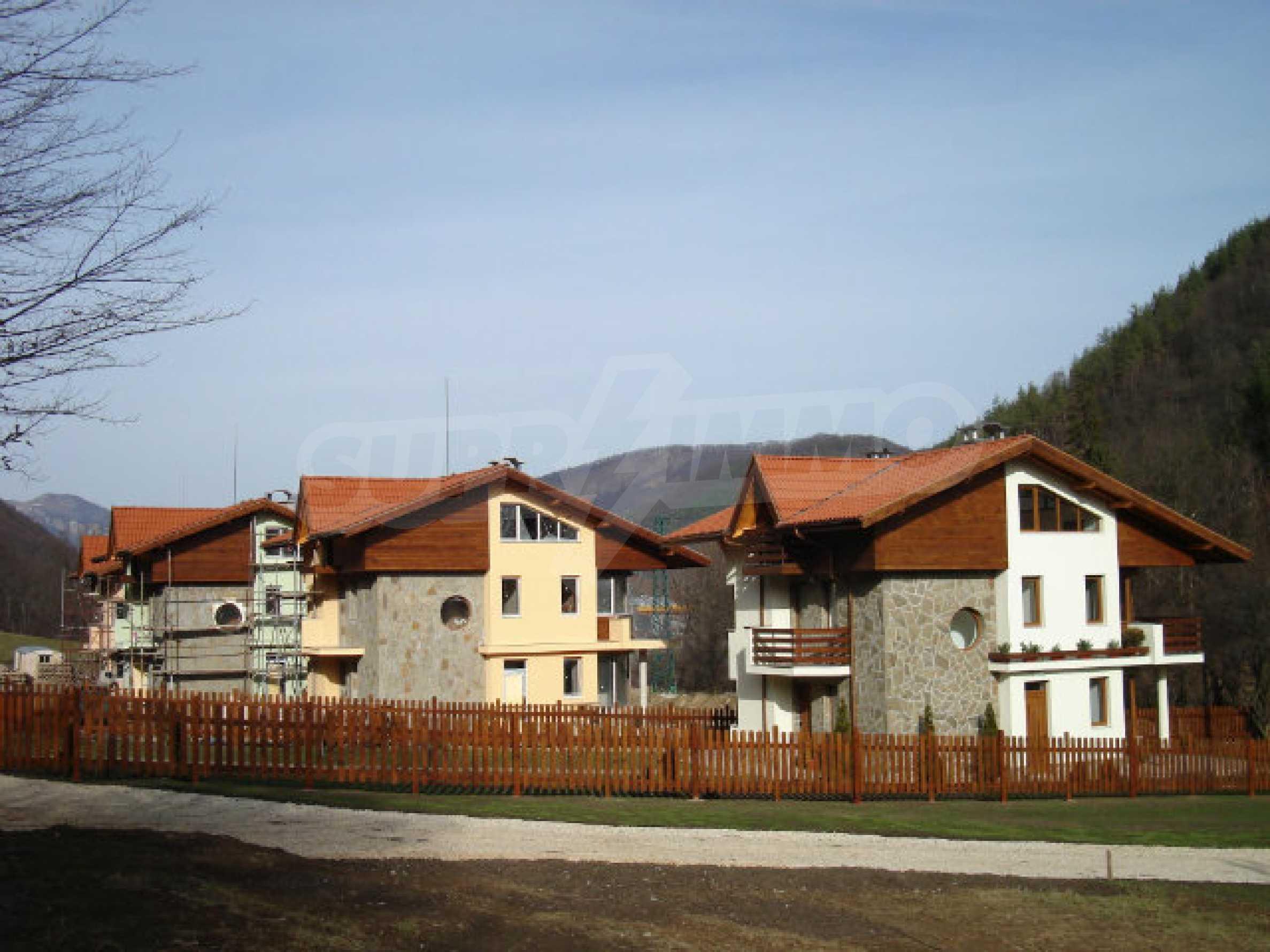 Neugebaute dreistöckige Villa in Ribaritsa 16