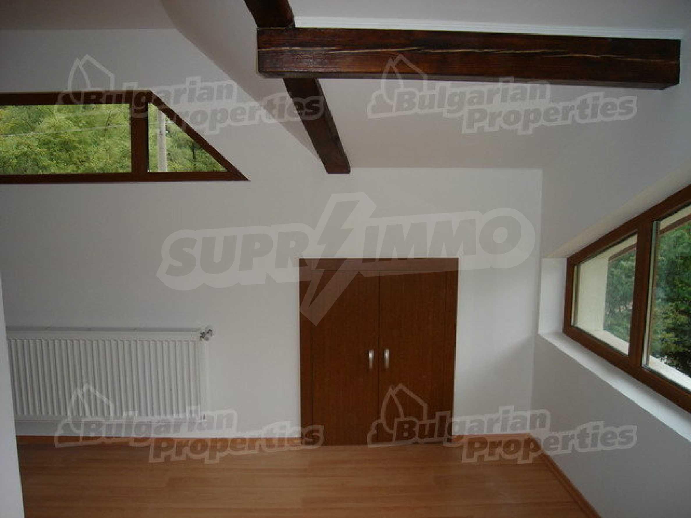 Neugebaute dreistöckige Villa in Ribaritsa 7
